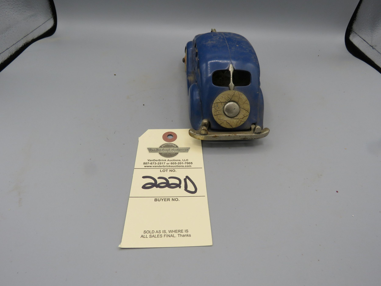 Hubley Battery Controlled Chrysler Air Flow Pat. 1943160 - Image 3