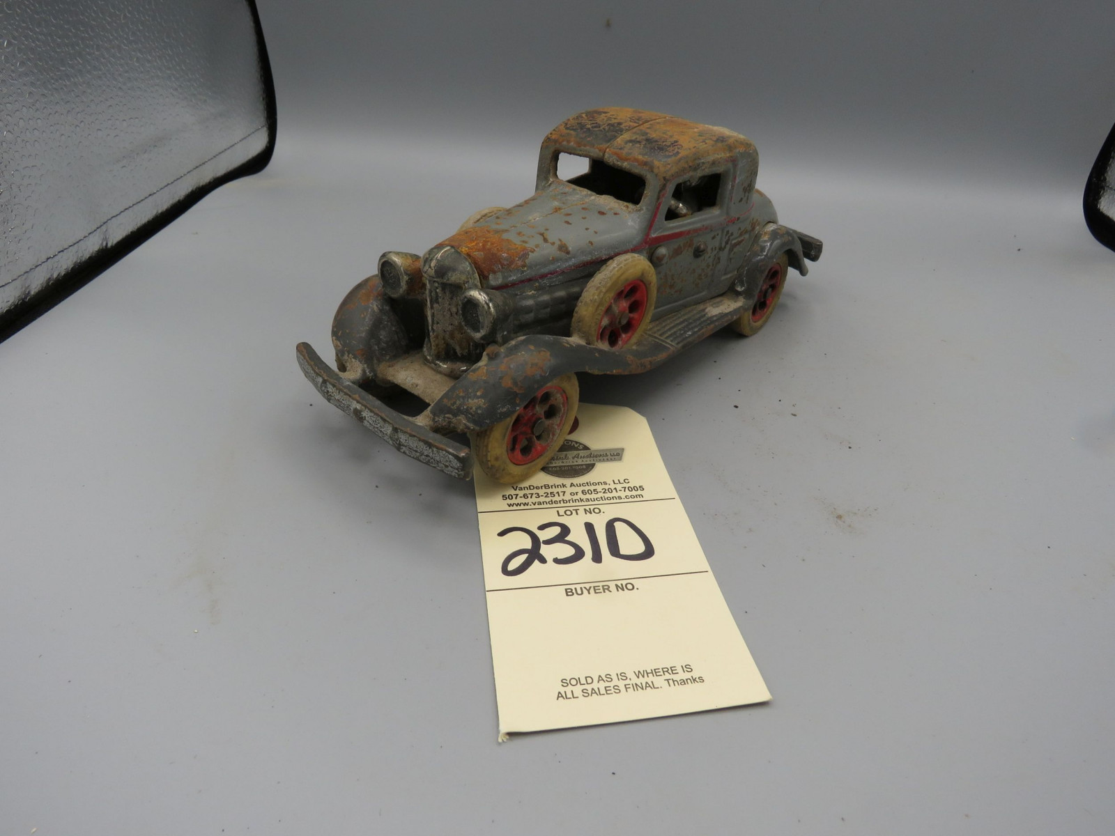 Vintage Cast Iron Car - Image 2