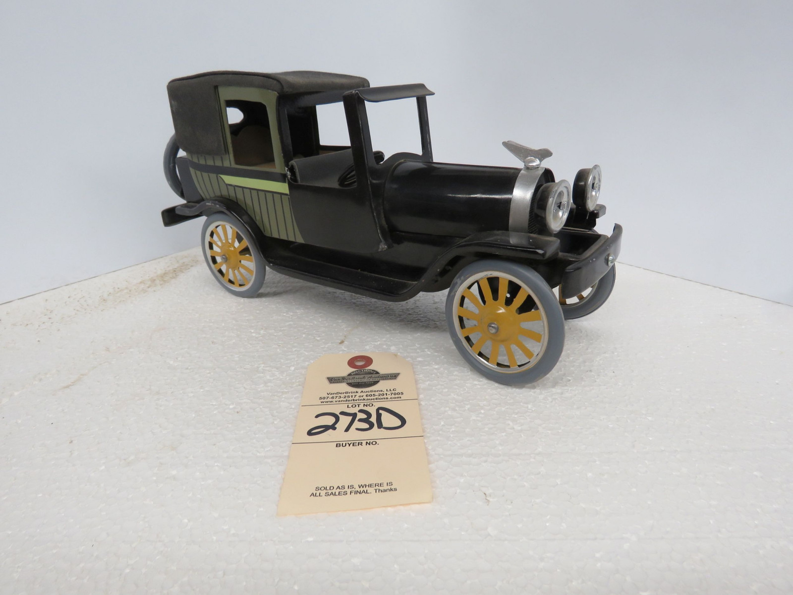 Ford Shoebox Ford Friction Car - Image 1