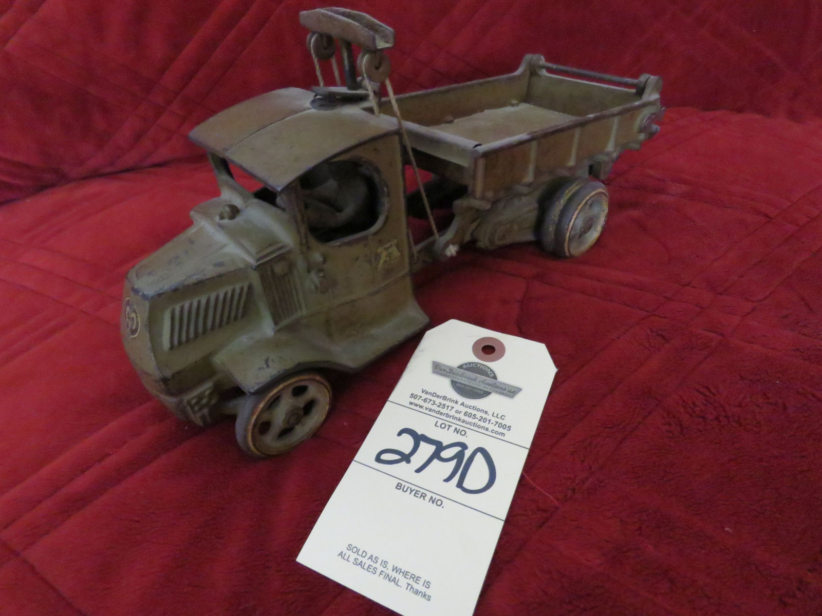 Arcade Cast Iron Mack Bulldog Truck- Large - Image 1