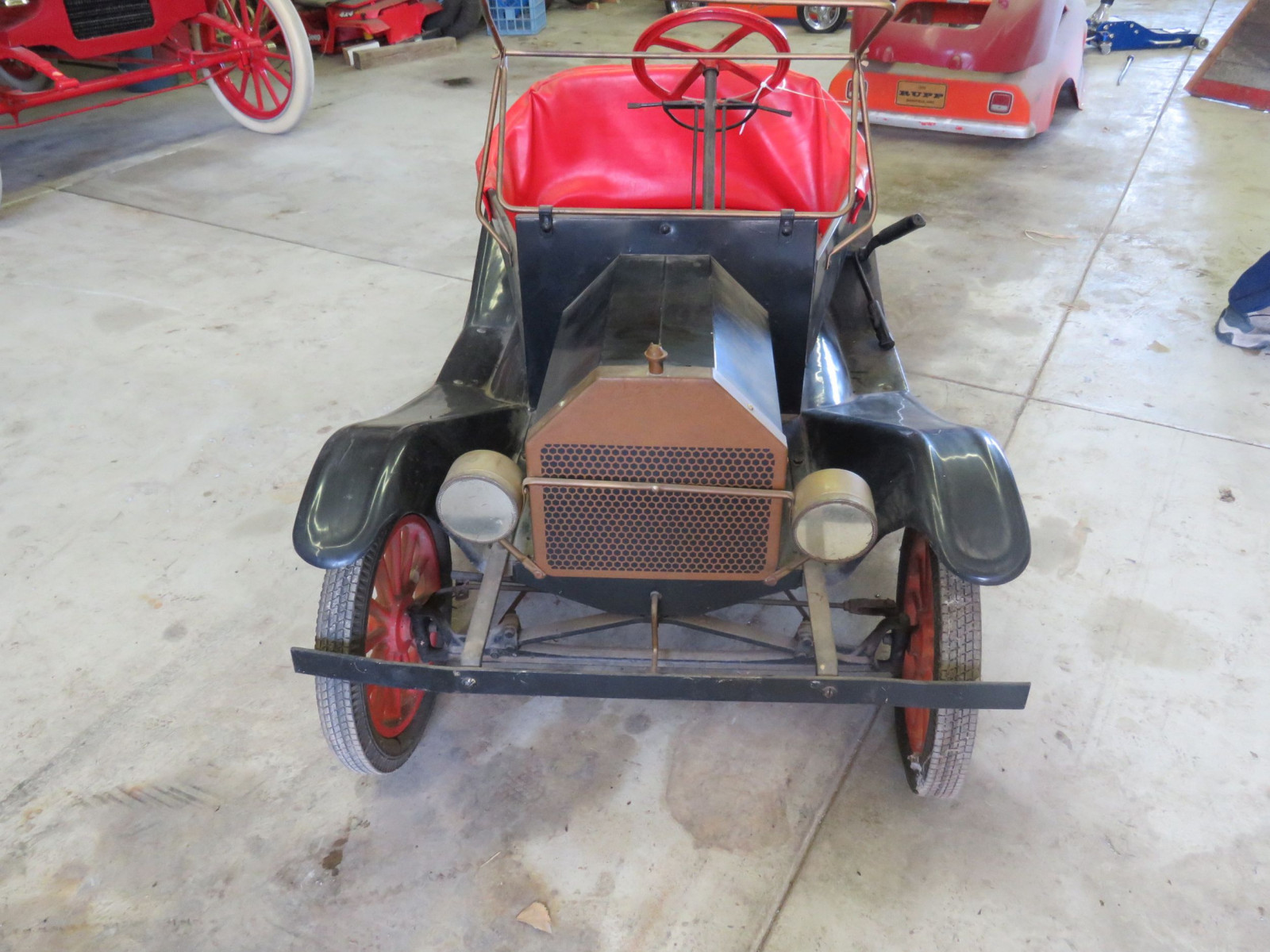 Ford Model T Touring Car Gas Powered Child's or Shriner Car - Image 2