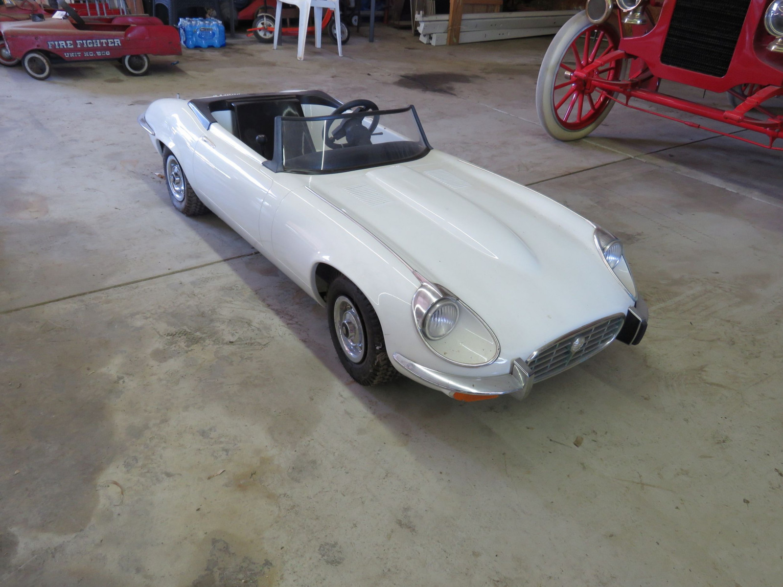 Jaguar E type Roadster Children's Dealer Car - Image 1