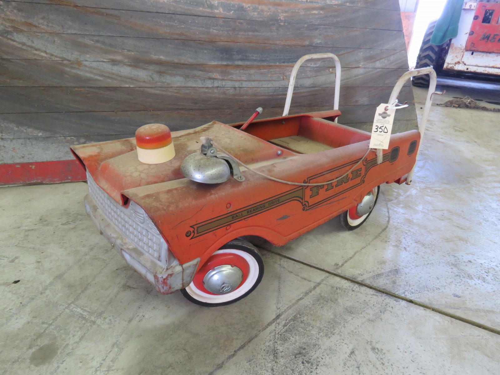 Murray Fire Fighter pedal Car - Image 1