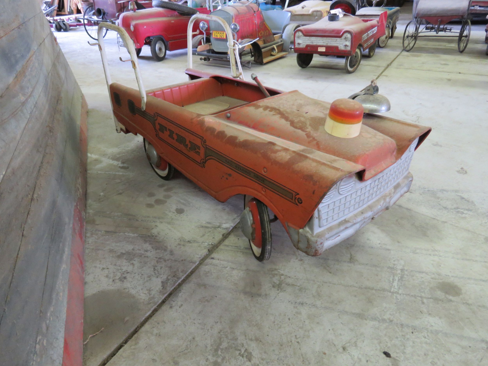Murray Fire Fighter pedal Car - Image 2