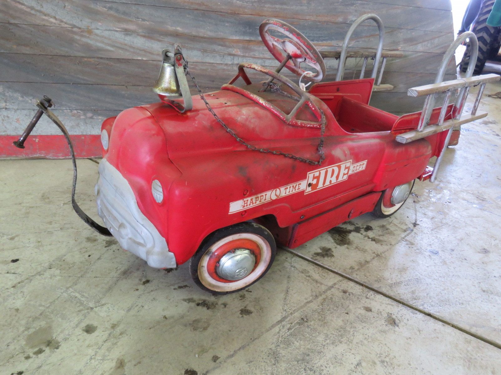 Murray Happy Time Fire Department Pedal Car - Image 1