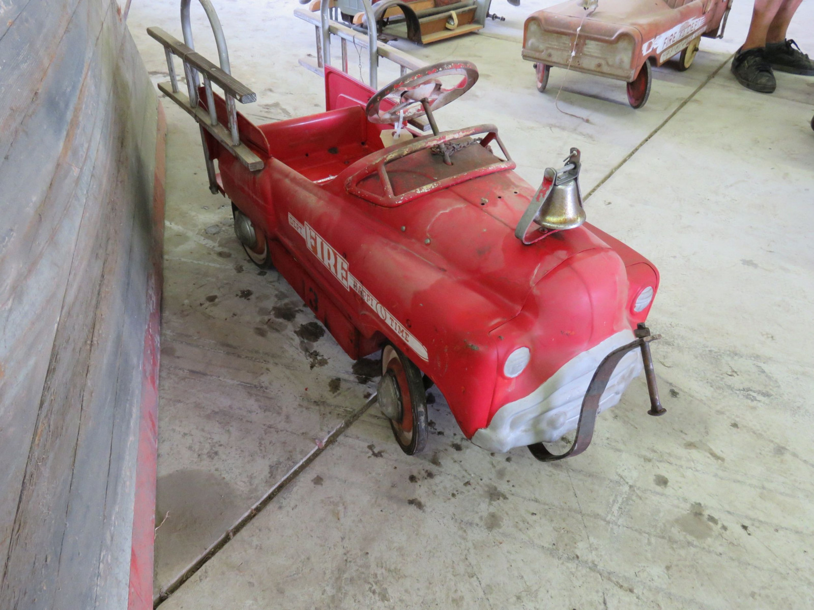 Murray Happy Time Fire Department Pedal Car - Image 2