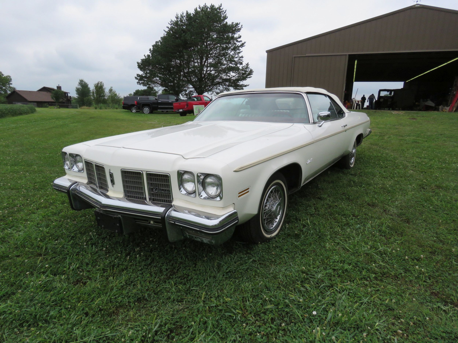 1975 Oldsmobile Delta 88 Convertible - Image 3