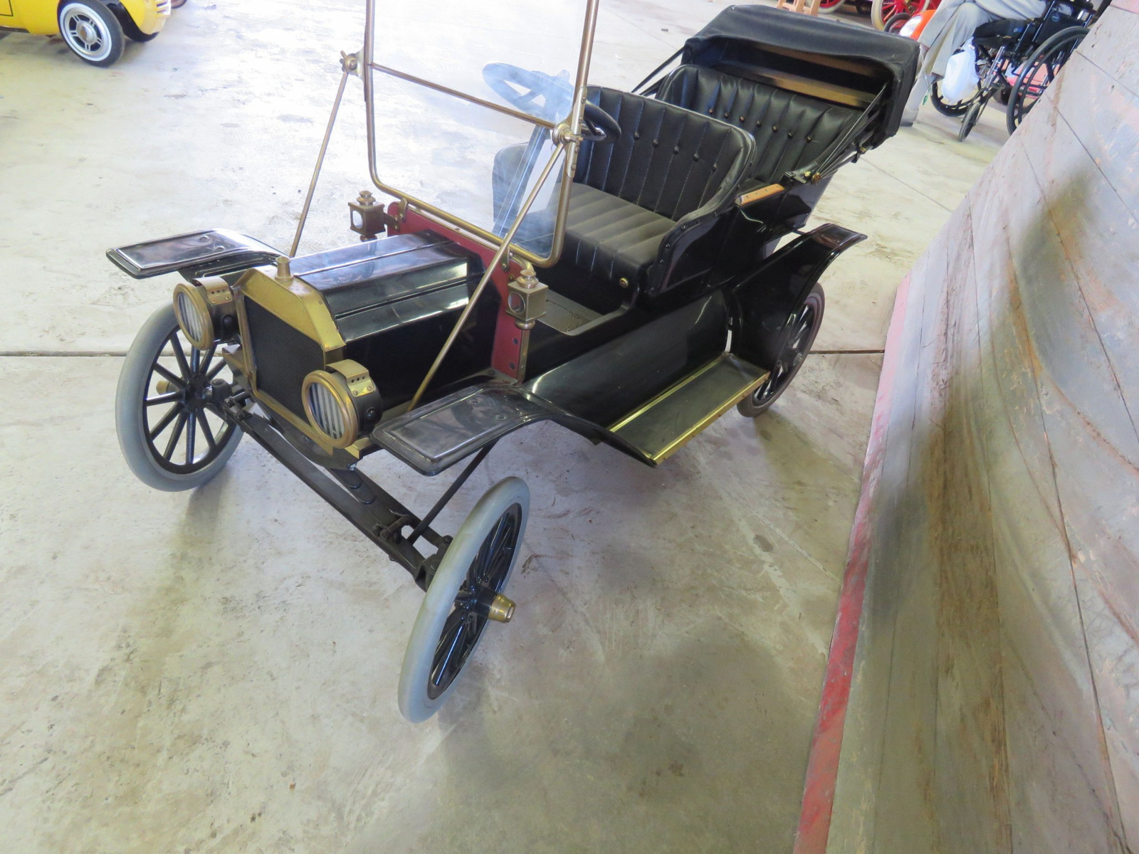 Model T Touring Car Pedal Car - Image 3