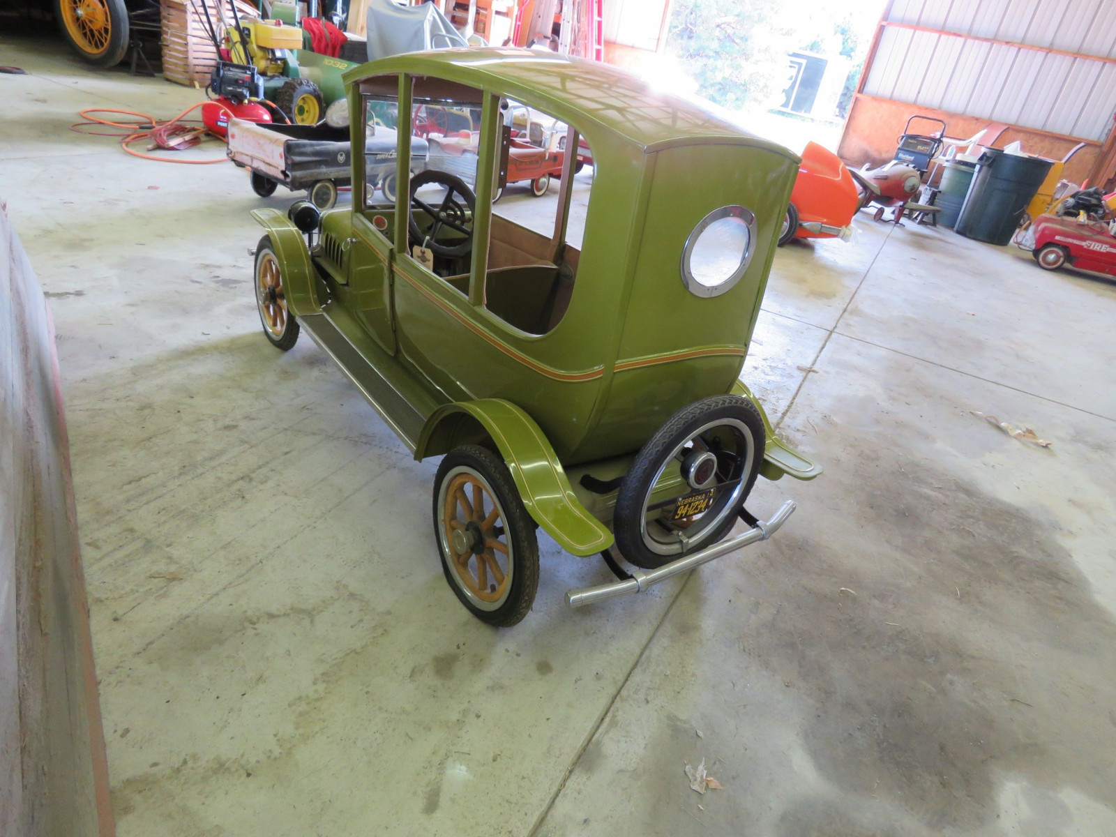 Ford Model T Center-Door Pedal Car - Image 4