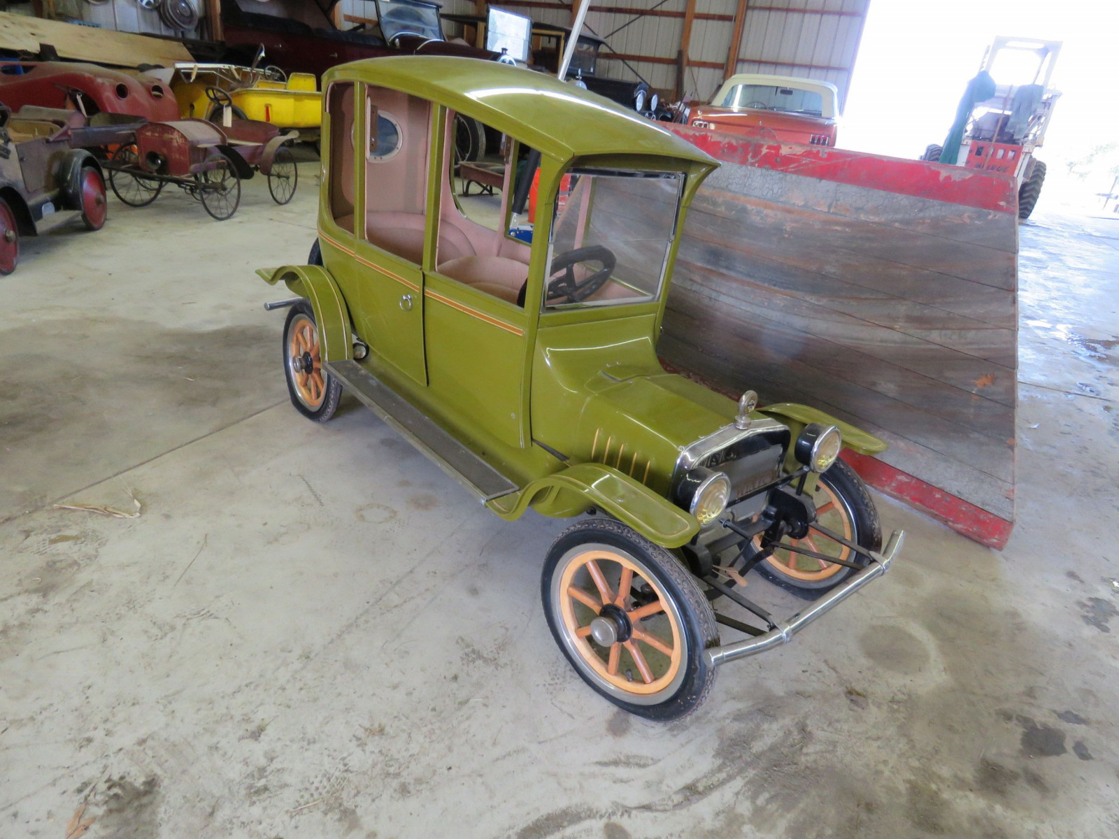 Ford Model T Center-Door Pedal Car - Image 8
