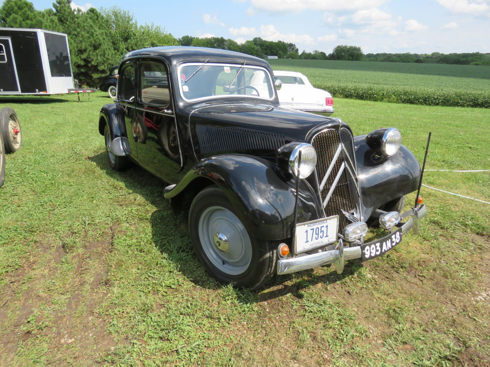 1951 Citroen Traction Avant 4dr Sedan - Image 4