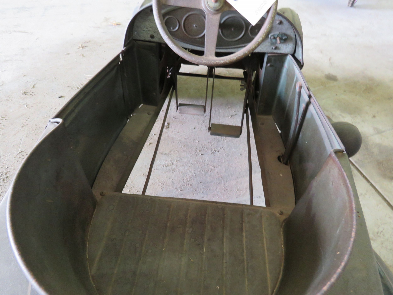 Vintage Regal Cycles Roadster Pedal Car - Image 8
