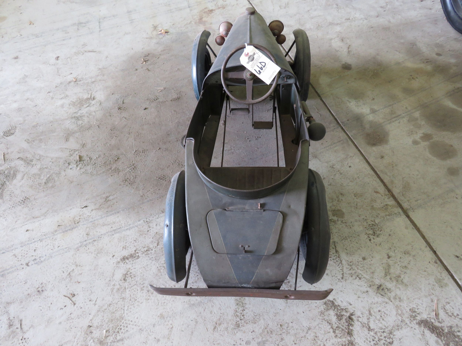 Vintage Regal Cycles Roadster Pedal Car - Image 9