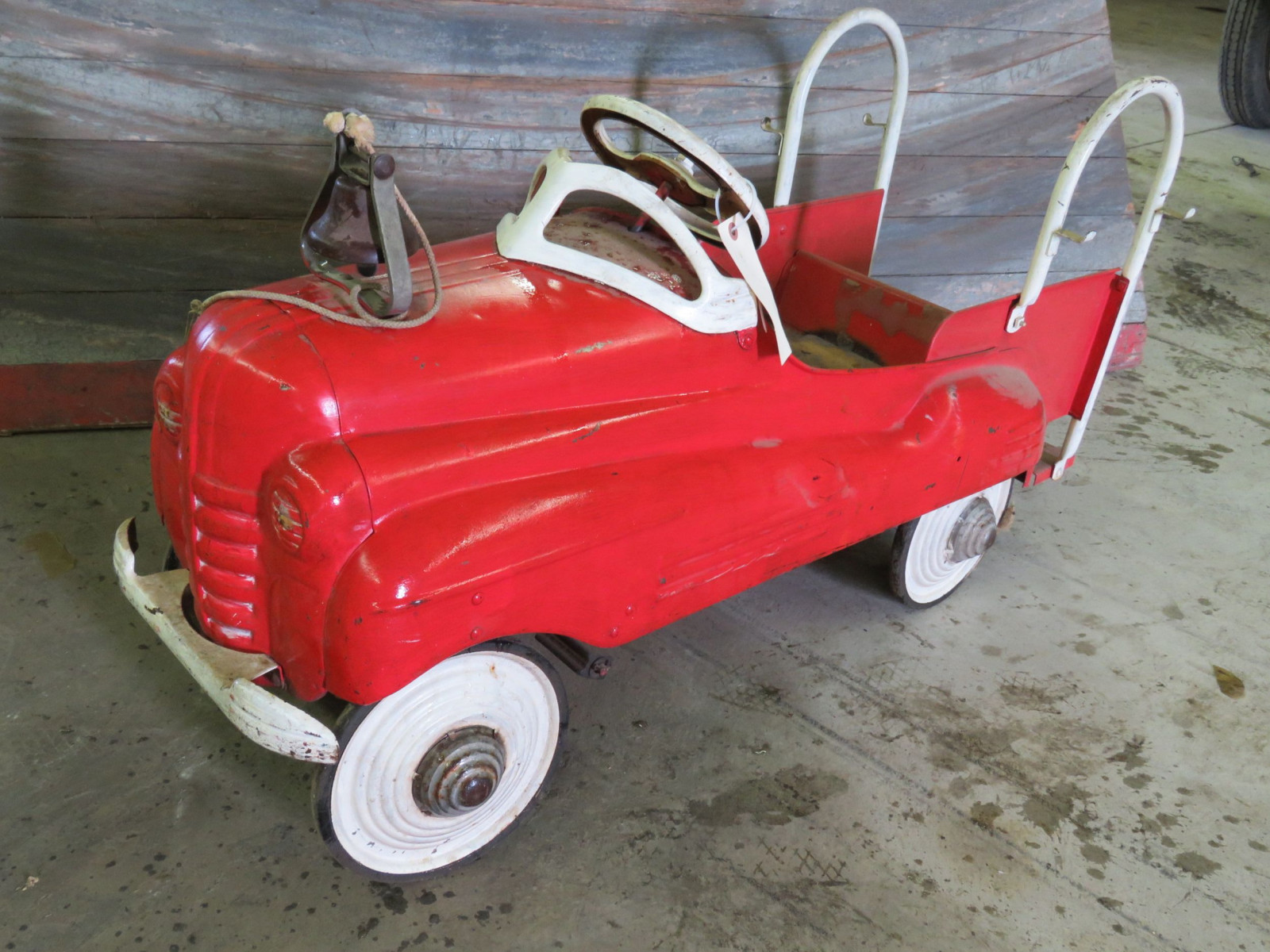 Vintage Murray Fire Chief pedal Car for Restore - Image 1