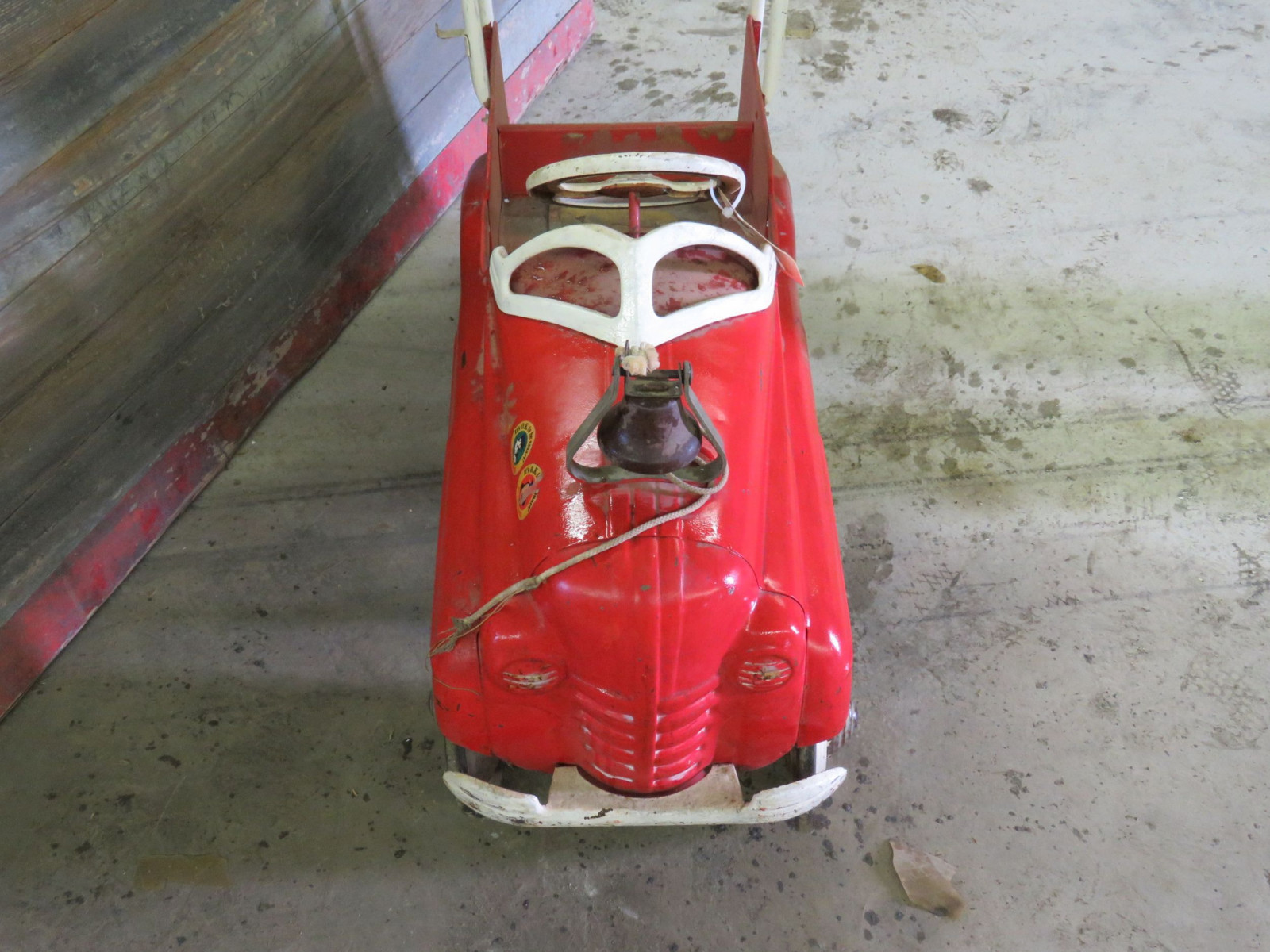 Vintage Murray Fire Chief pedal Car for Restore - Image 2