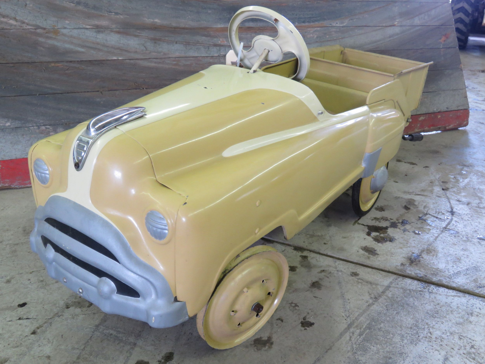 Murray Pedal Car - Image 1