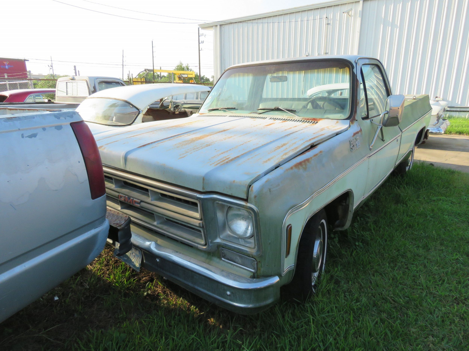 1976 GMC High Sierra 1/2 ton Pickup - Image 1
