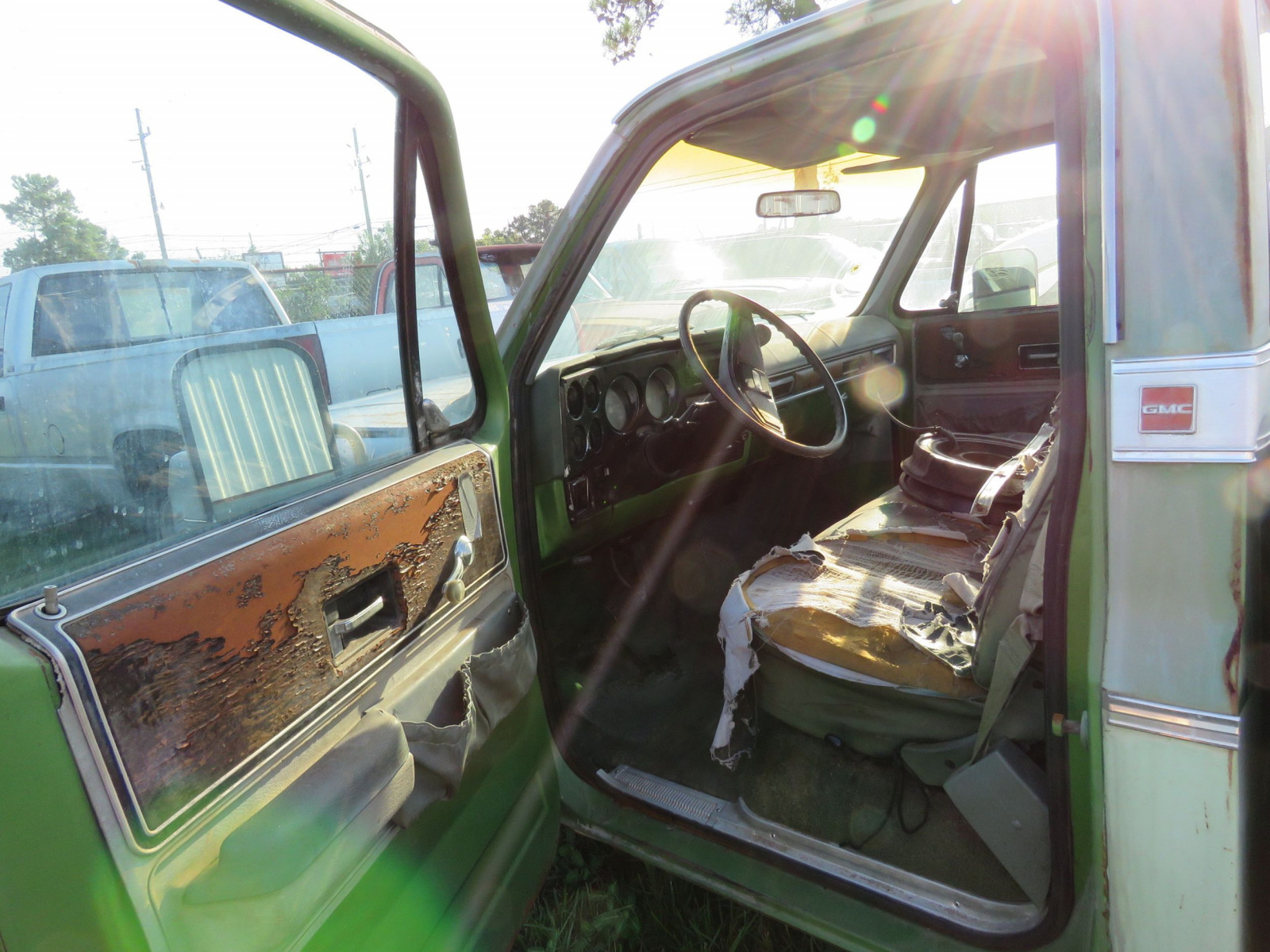 1976 GMC High Sierra 1/2 ton Pickup - Image 5