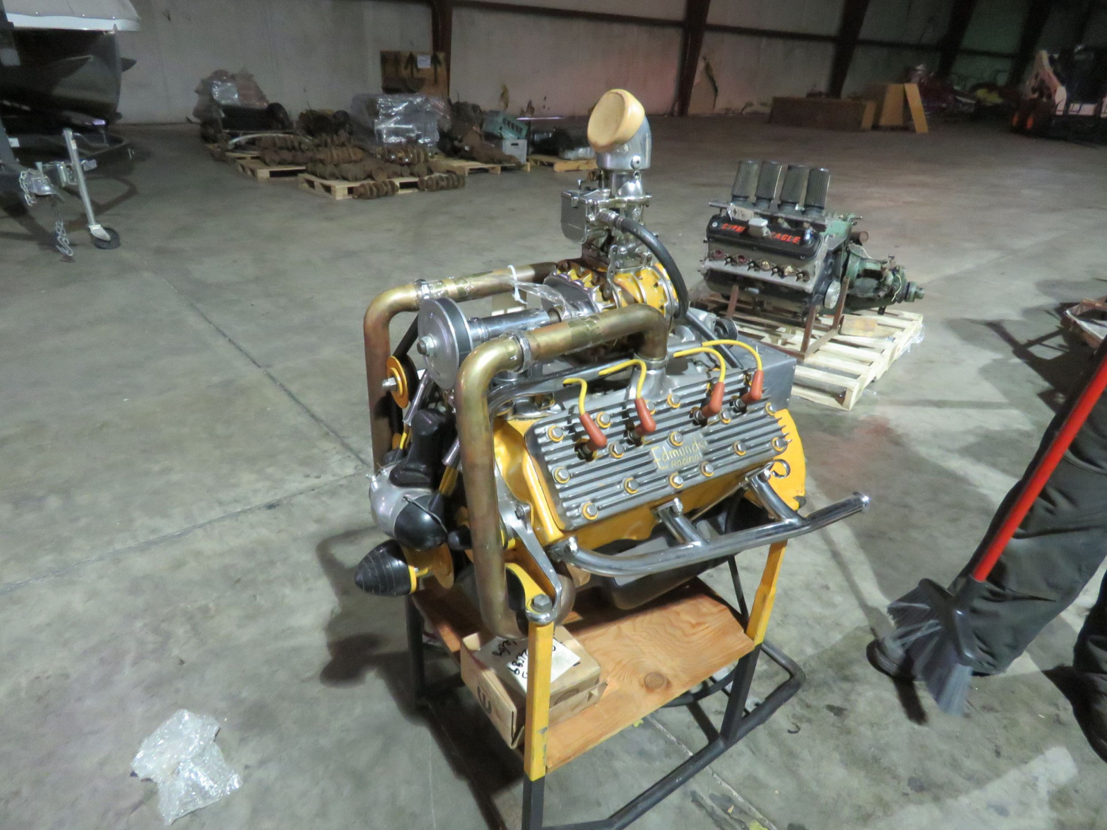 Fabulous Display Hotrod Flathead Ford V8 Motor - Image 12