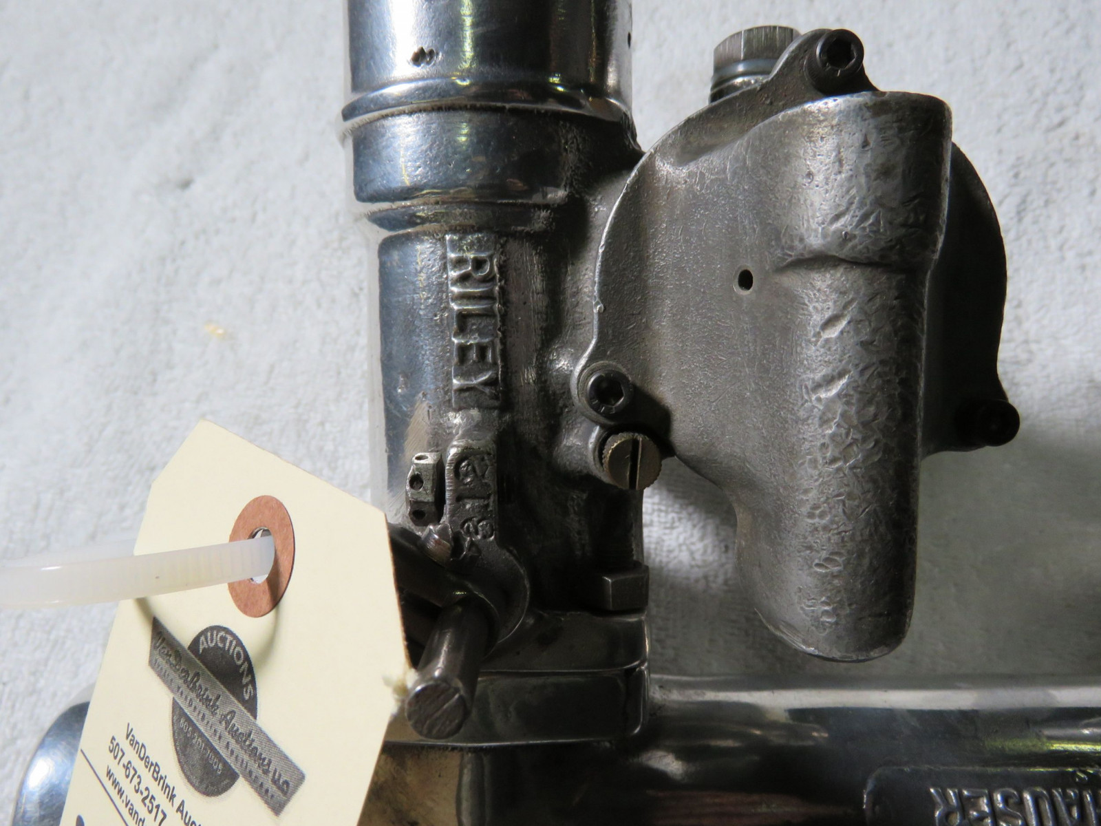 Rare Offenhauser Aluminum Intake with Riley Carbs - Image 3