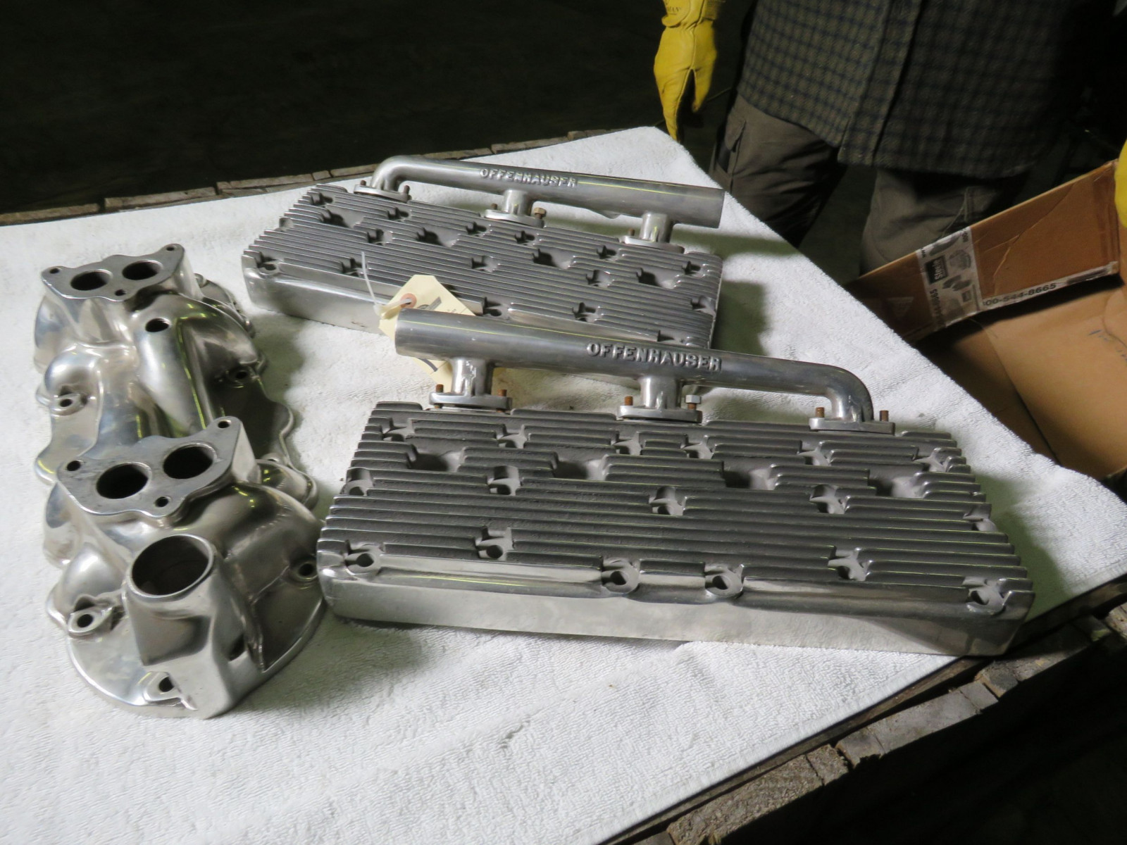Offenhauser Aluminum Heads and Intake - Image 4