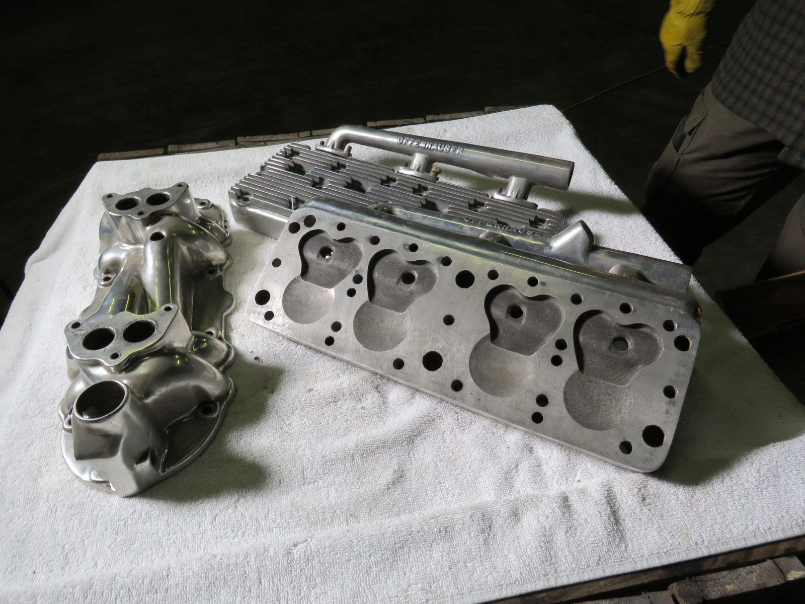 Offenhauser Aluminum Heads and Intake - Image 5