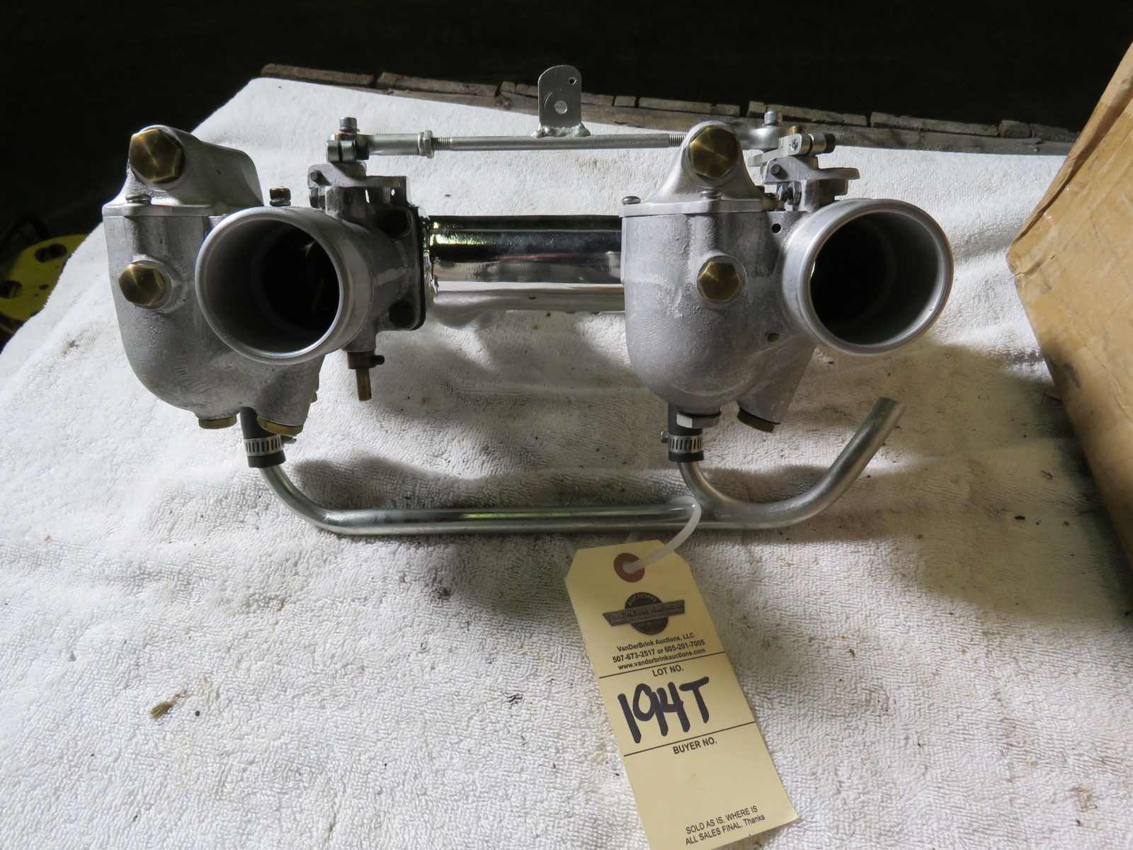Polished Aluminum Manifold with Dual Riley Carbs - Image 2
