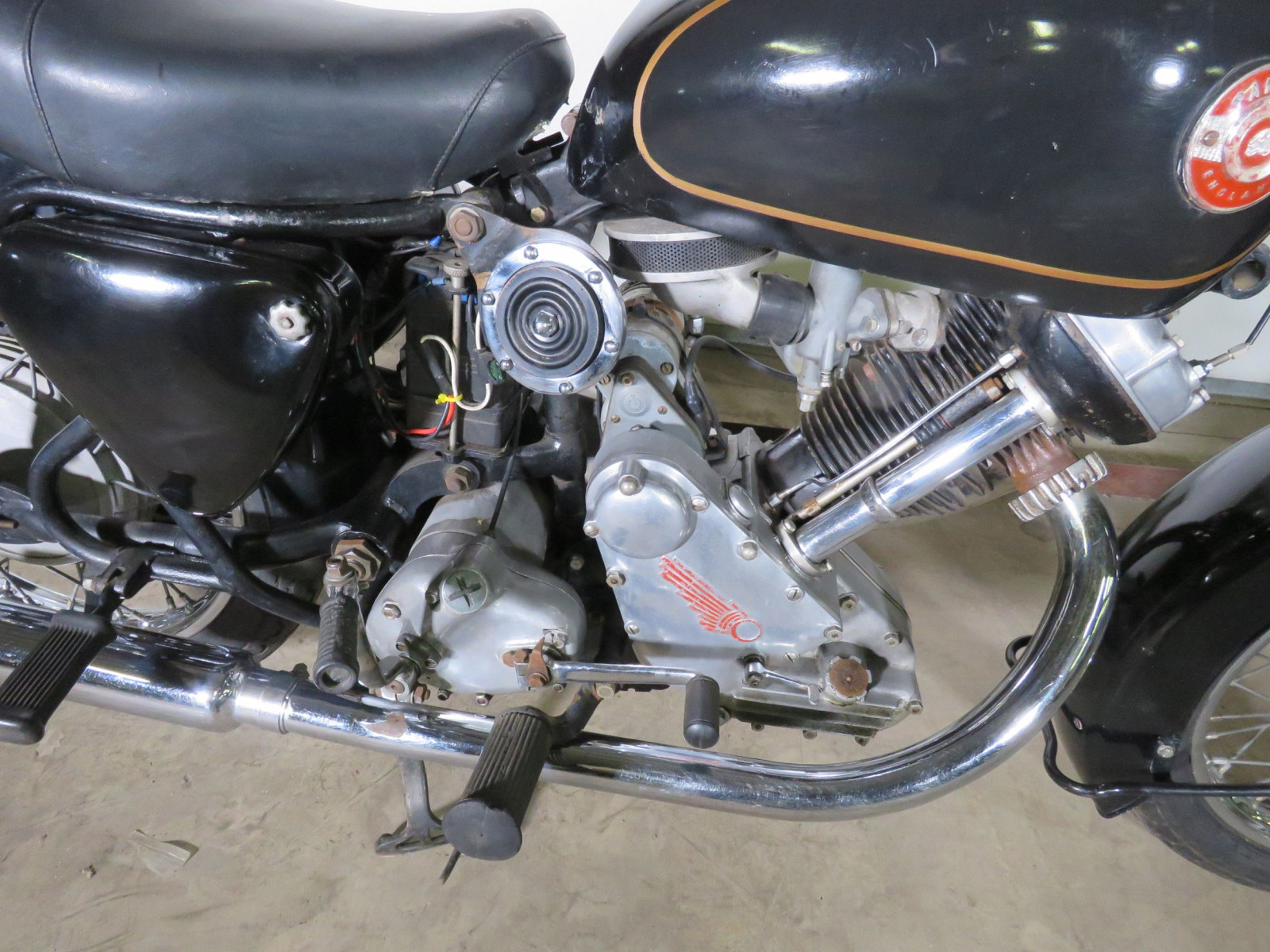 1959 Panther Model 120 Motorcycle - Image 9
