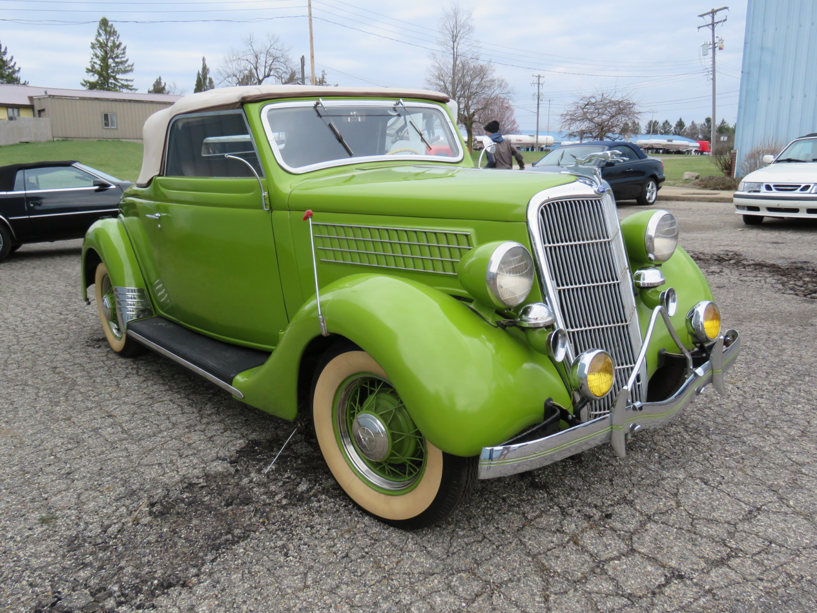 1935 Ford Cabriolet - Image 4