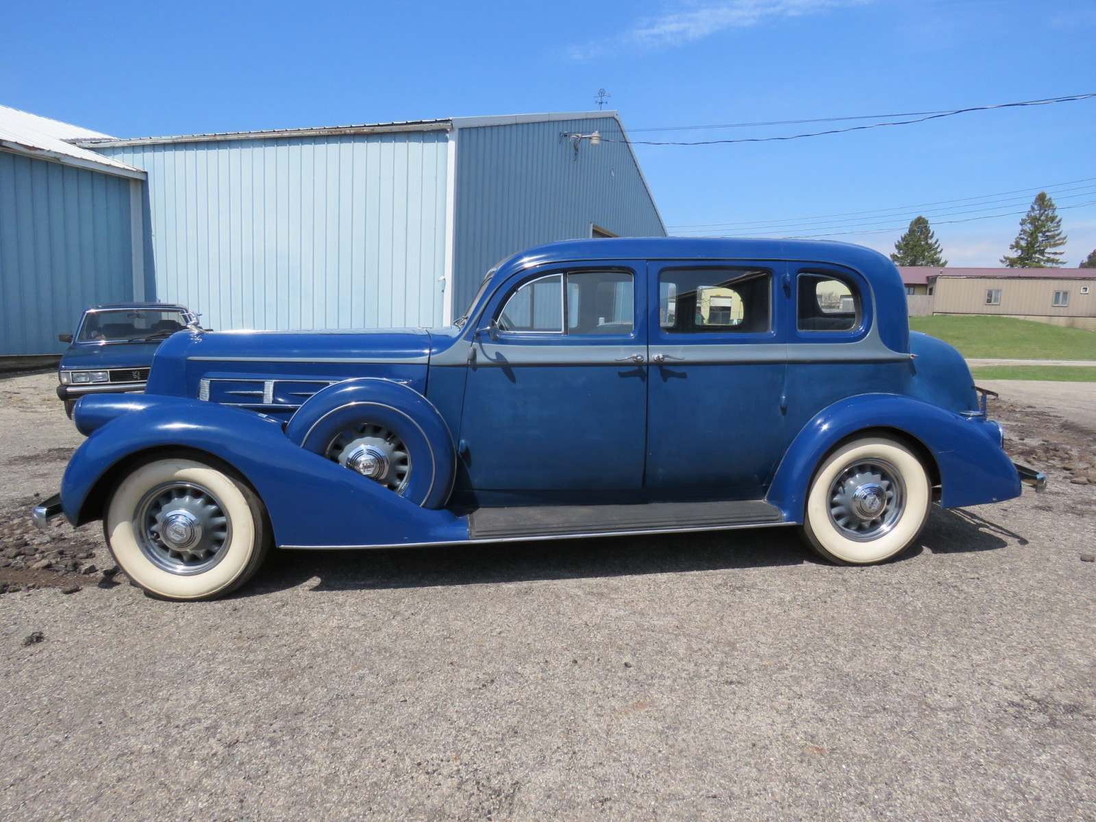 1936 Pierce Arrow V12  Series 1602 5 Passenger Sedan - Image 12