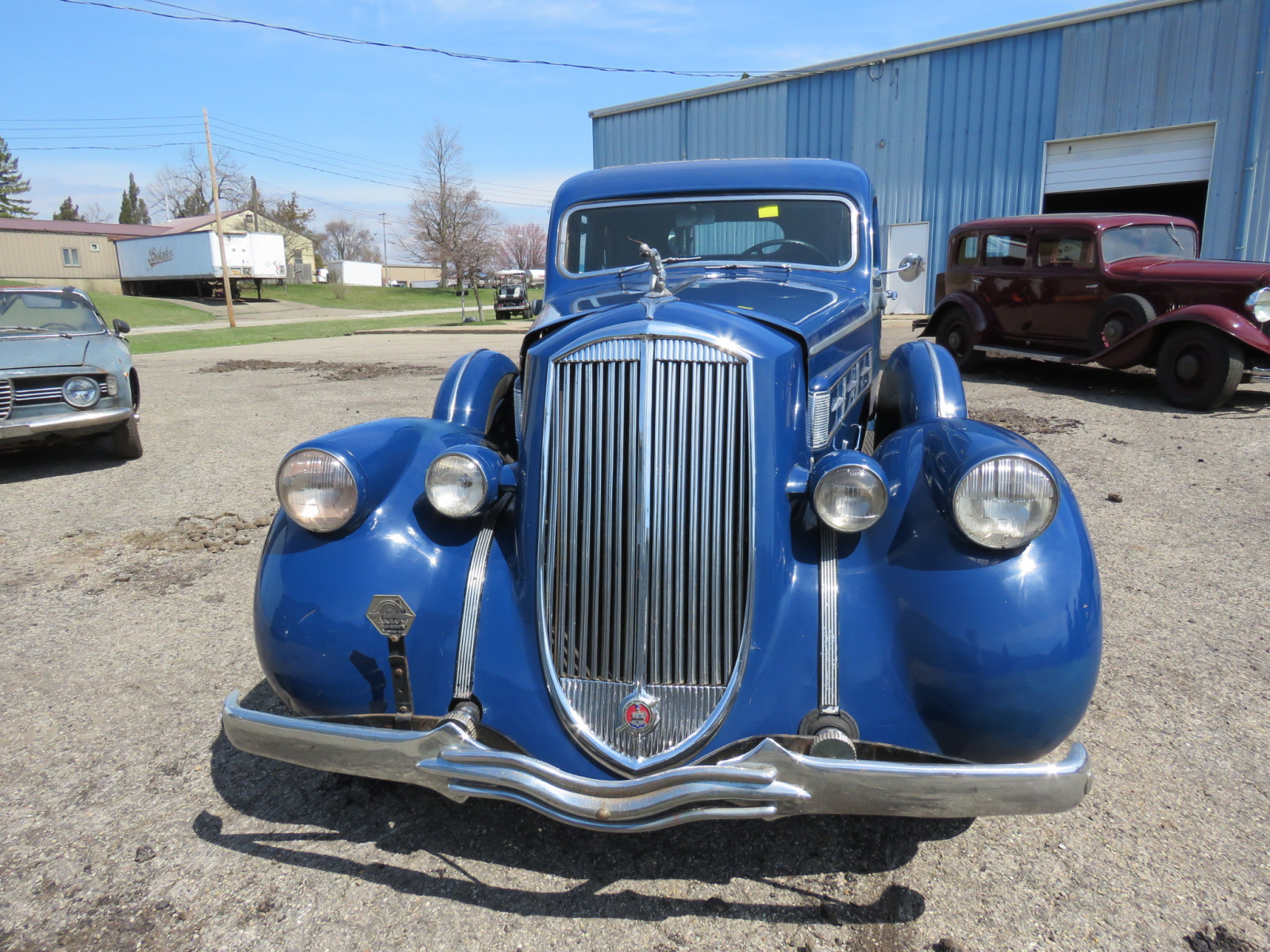 1936 Pierce Arrow V12  Series 1602 5 Passenger Sedan - Image 2