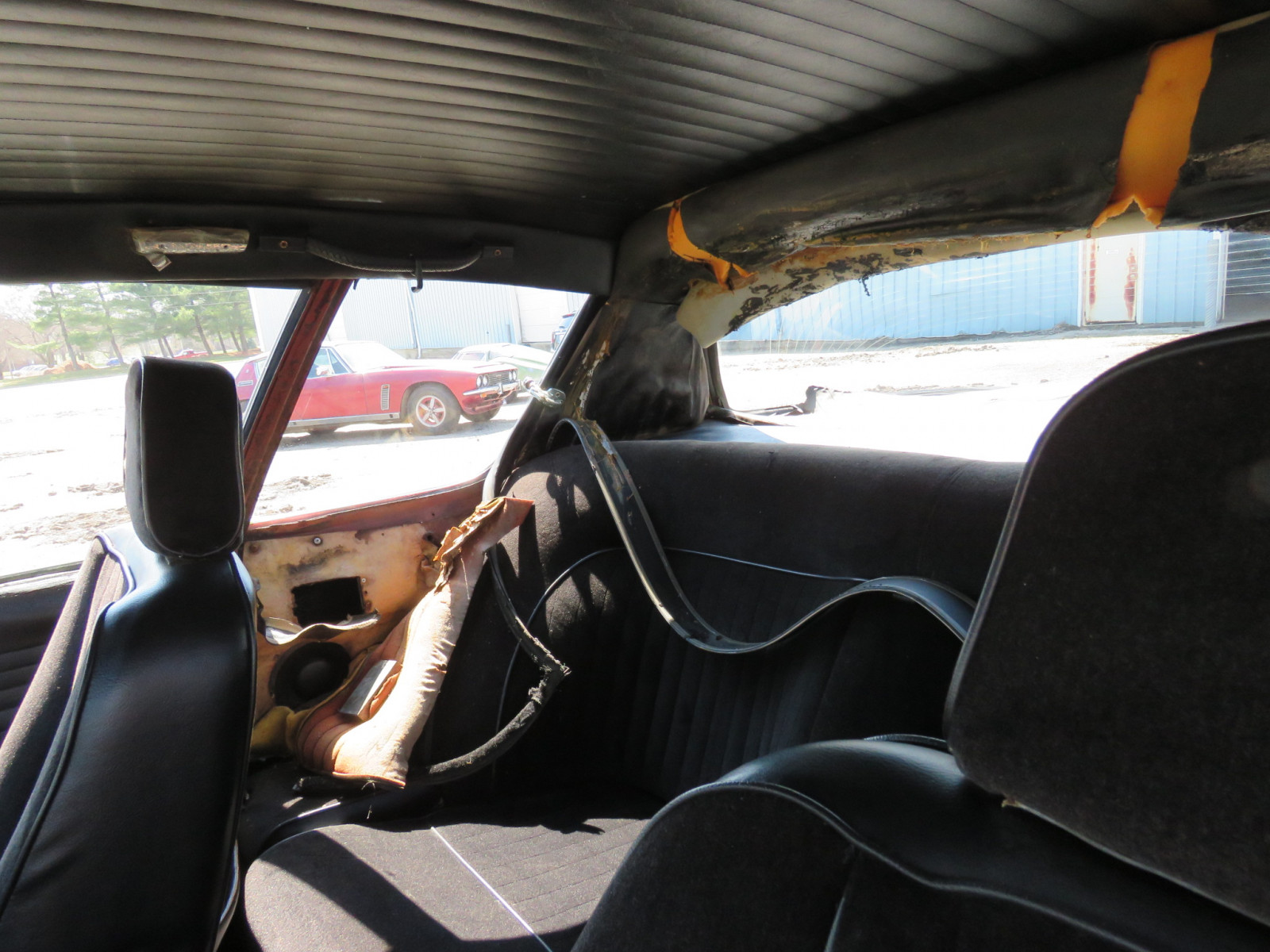 1971 Jensen Interceptor - Image 14