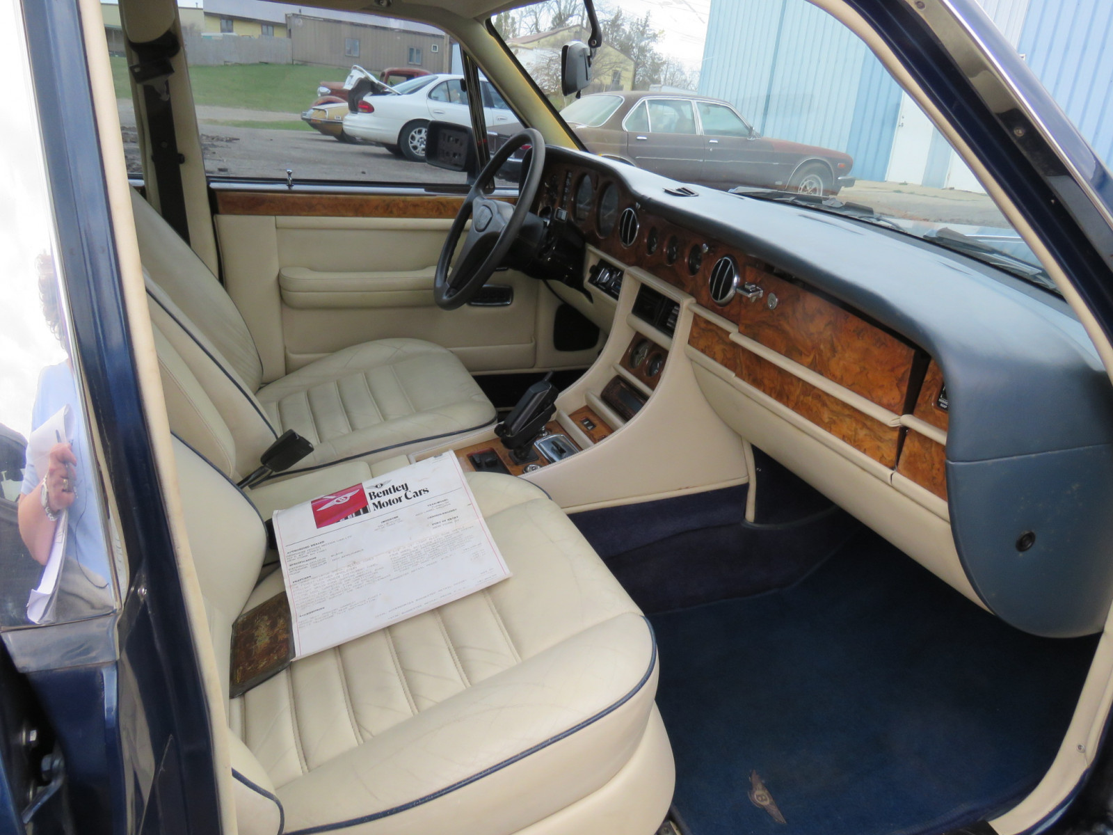 1988 Bentley Turbo R 4dr Sedan - Image 16
