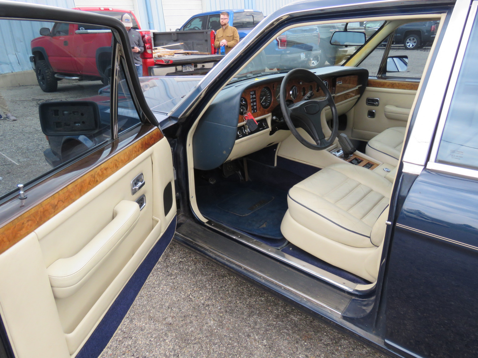1988 Bentley Turbo R 4dr Sedan - Image 9