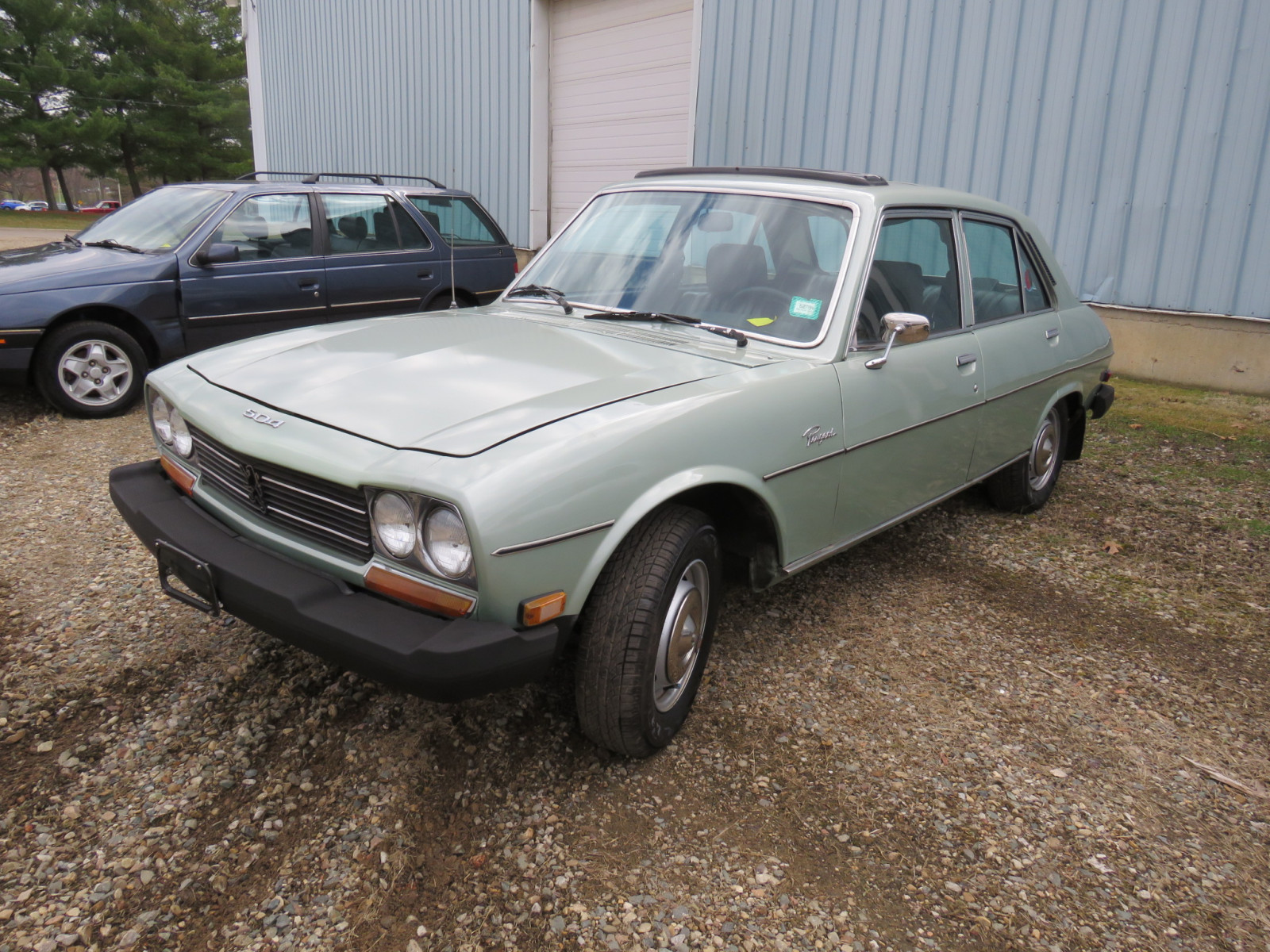 1979 Peugeot 504 4dr Automatique Sedan - Image 3