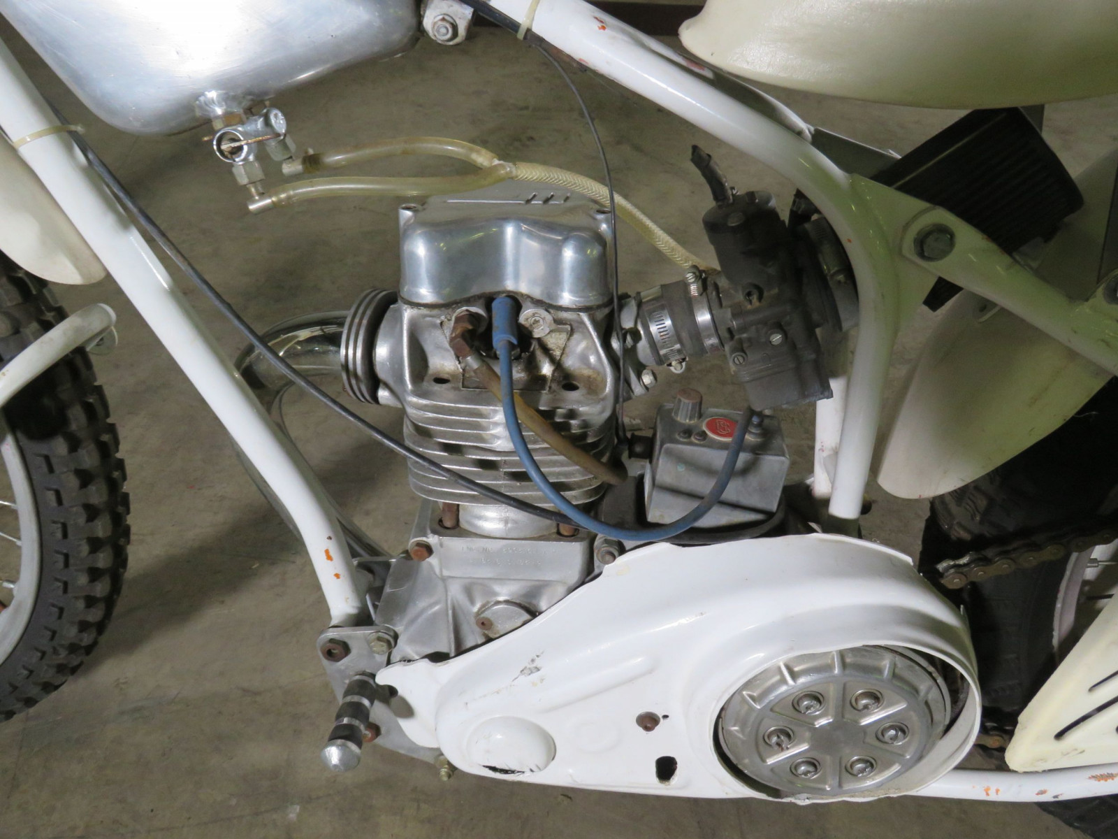 Speedway Racer Motorcycle - Image 2