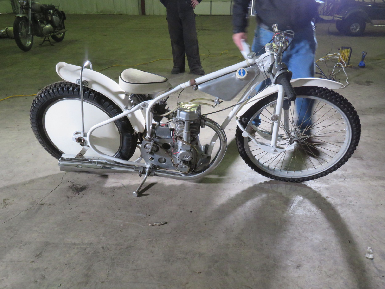 Speedway Racer Motorcycle - Image 5