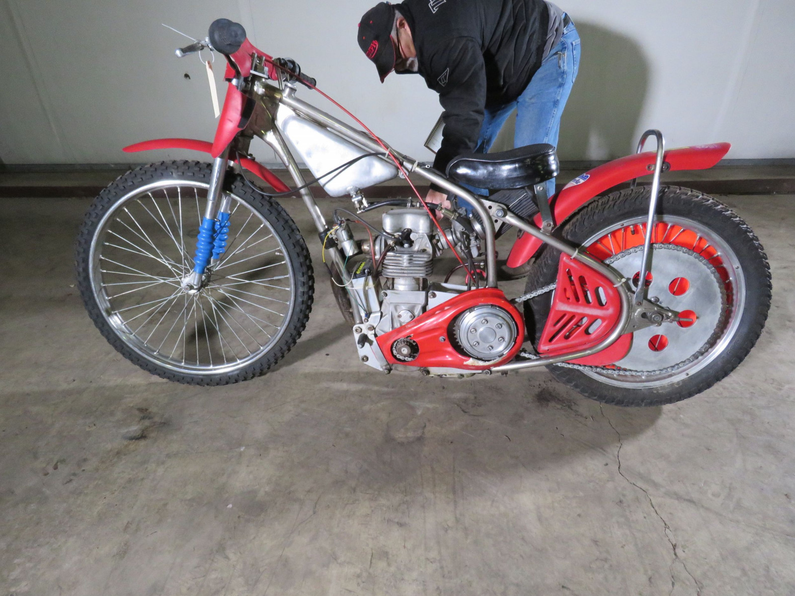 Speedway Racer Motorcycle - Image 10