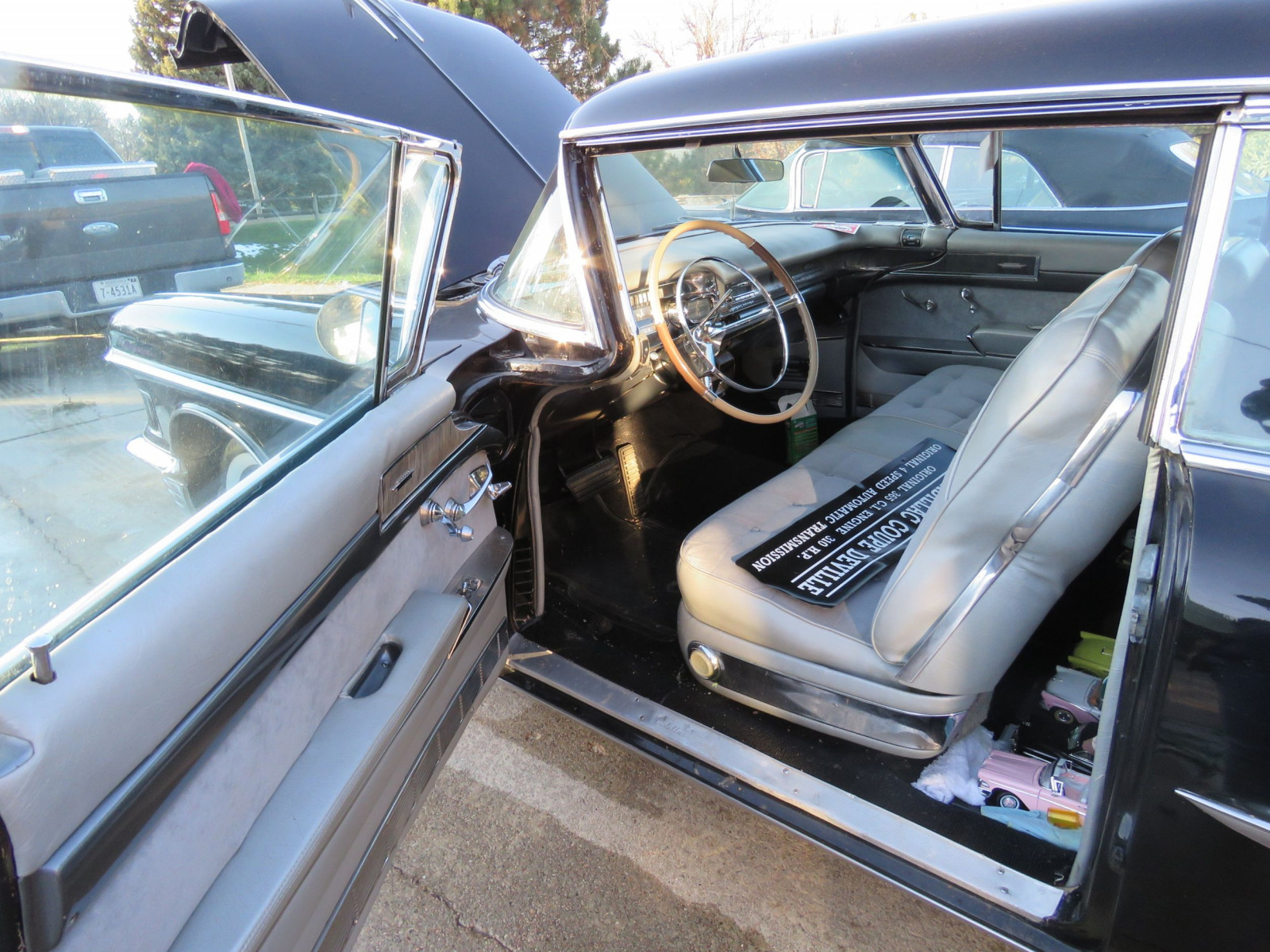 1958 Cadillac Coupe DeVille - Image 12