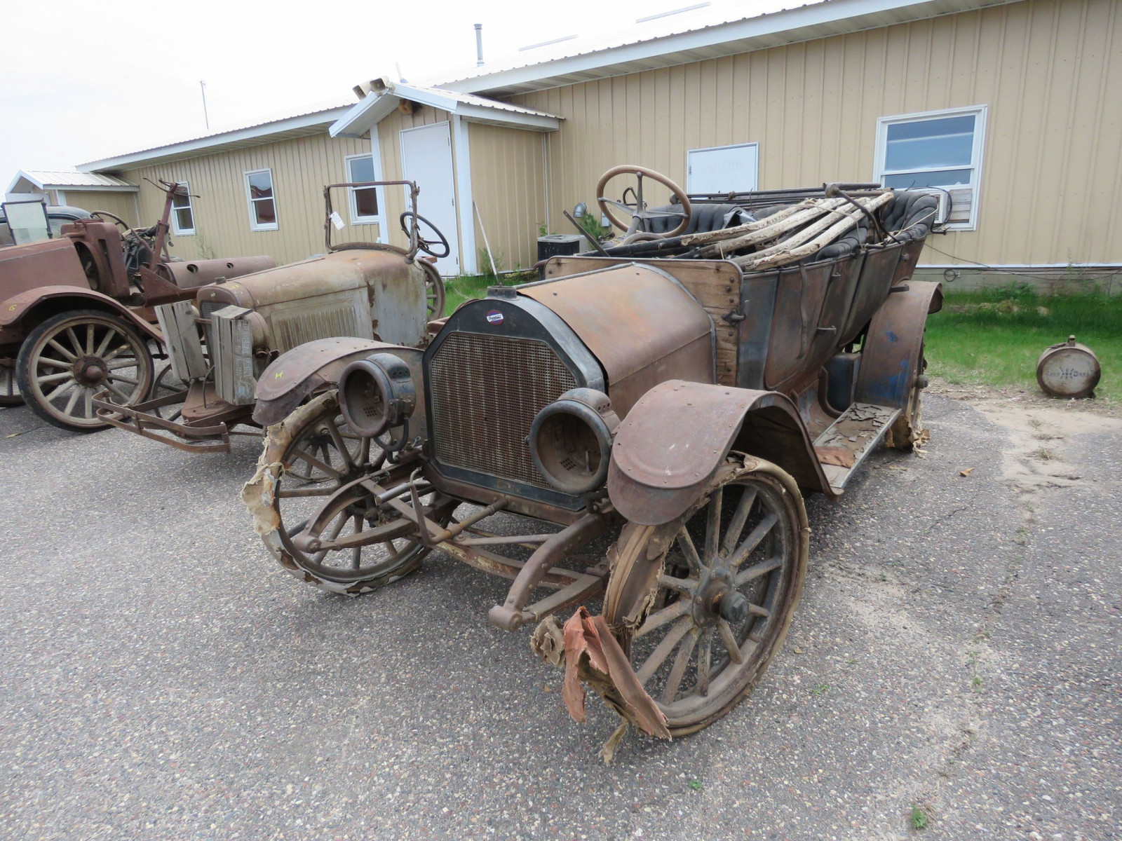 Overland Roadster for Project or Parts - Image 1