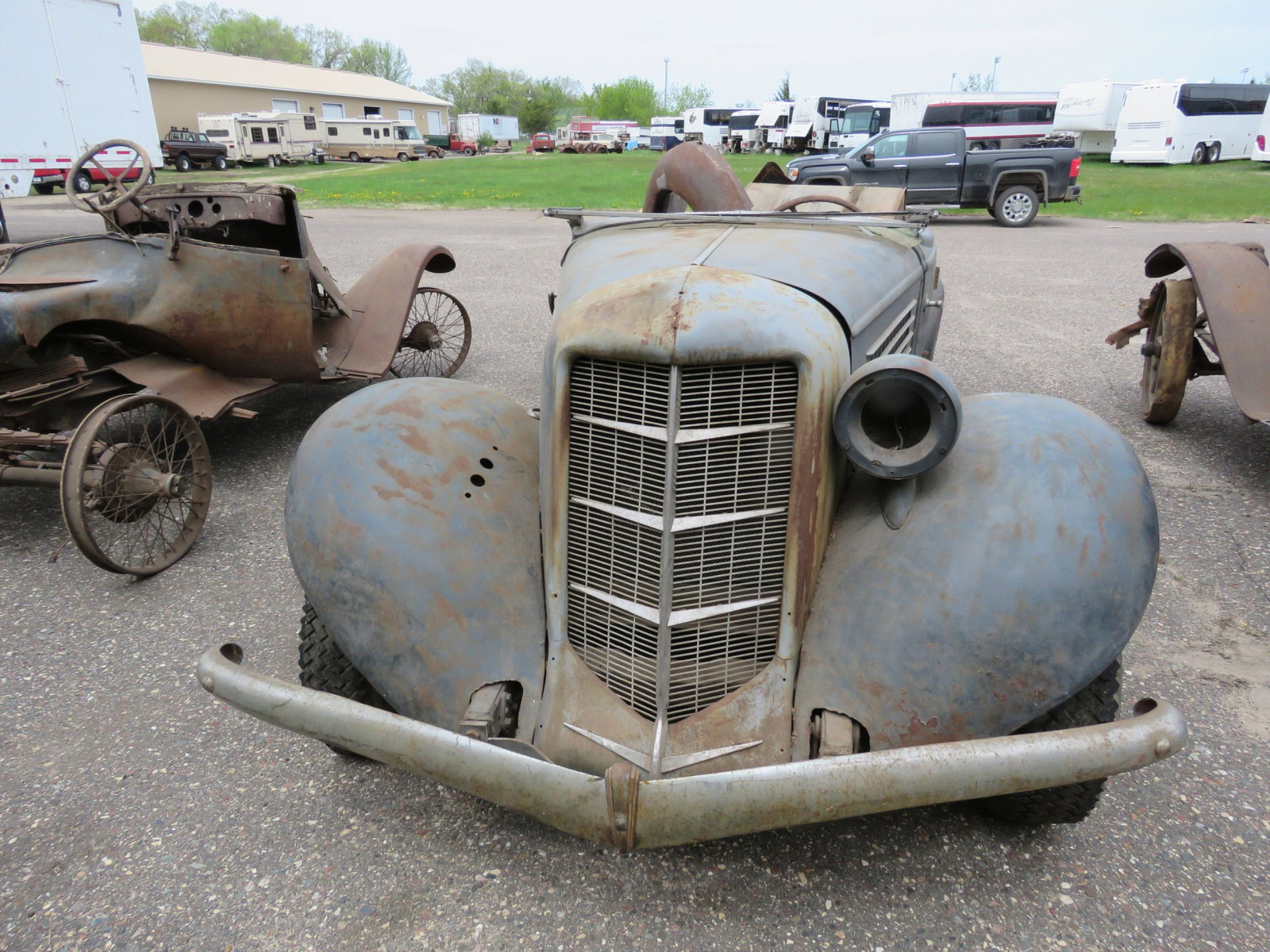 1936 Auburn 852 Roadster for Project - Image 2