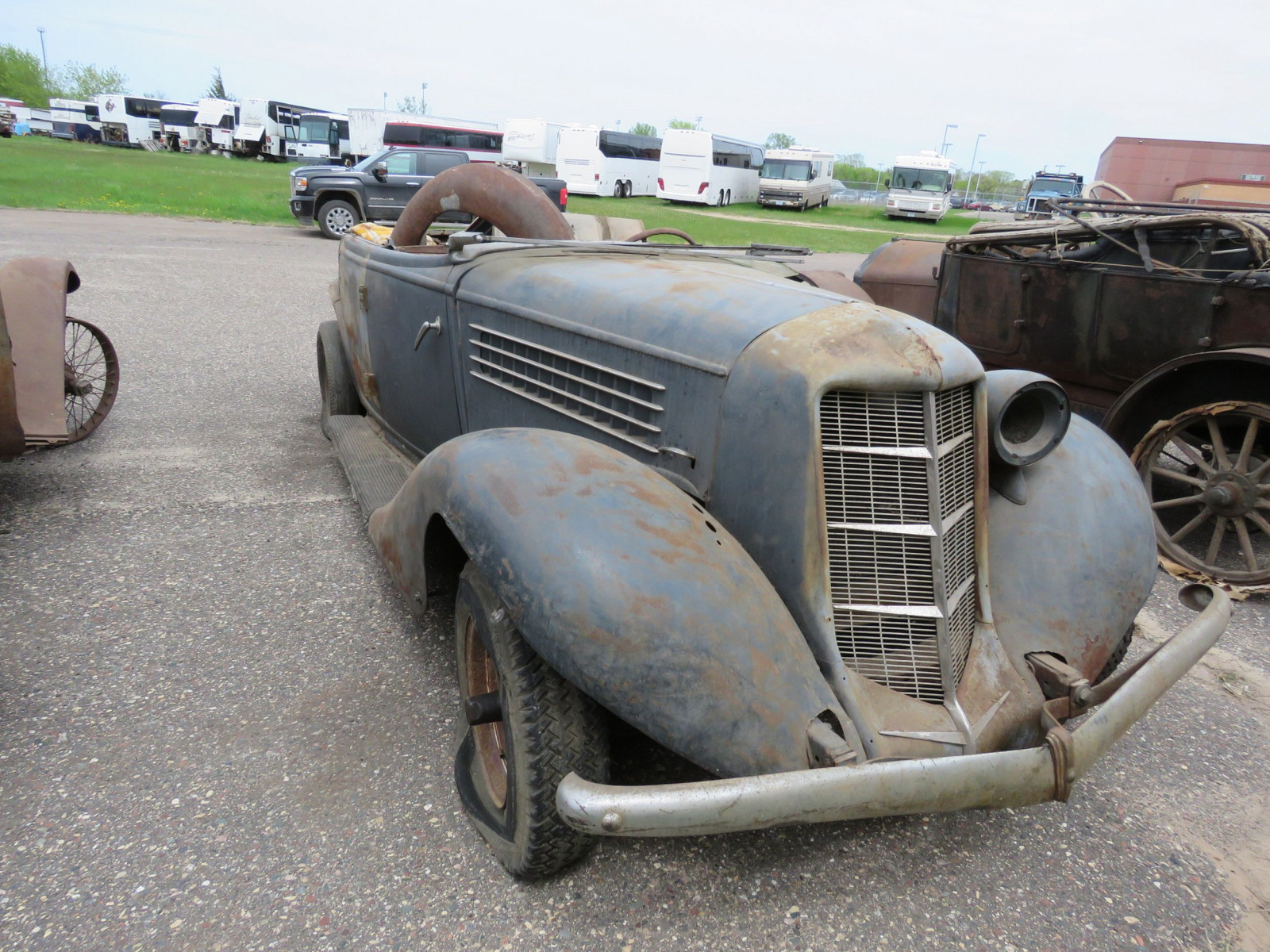 1936 Auburn 852 Roadster for Project - Image 3