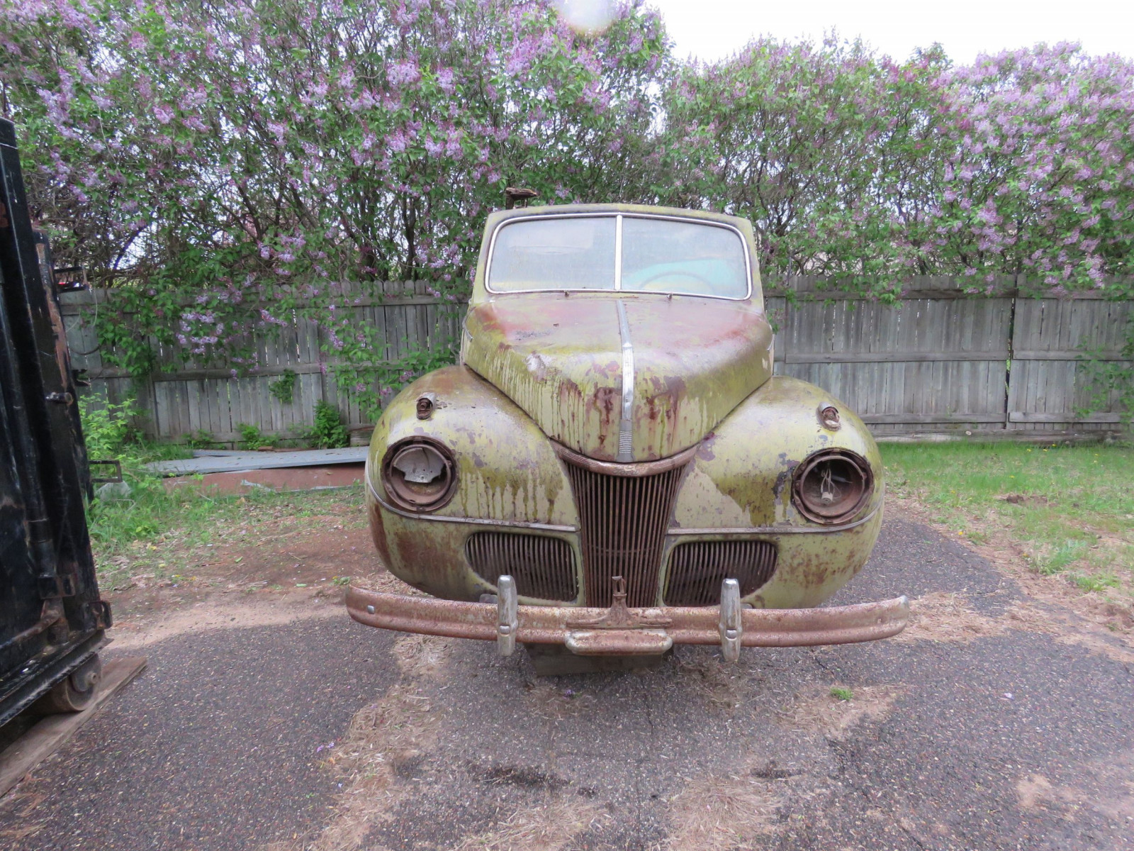 1941 Ford convertible Body for Rod or Restore - Image 1