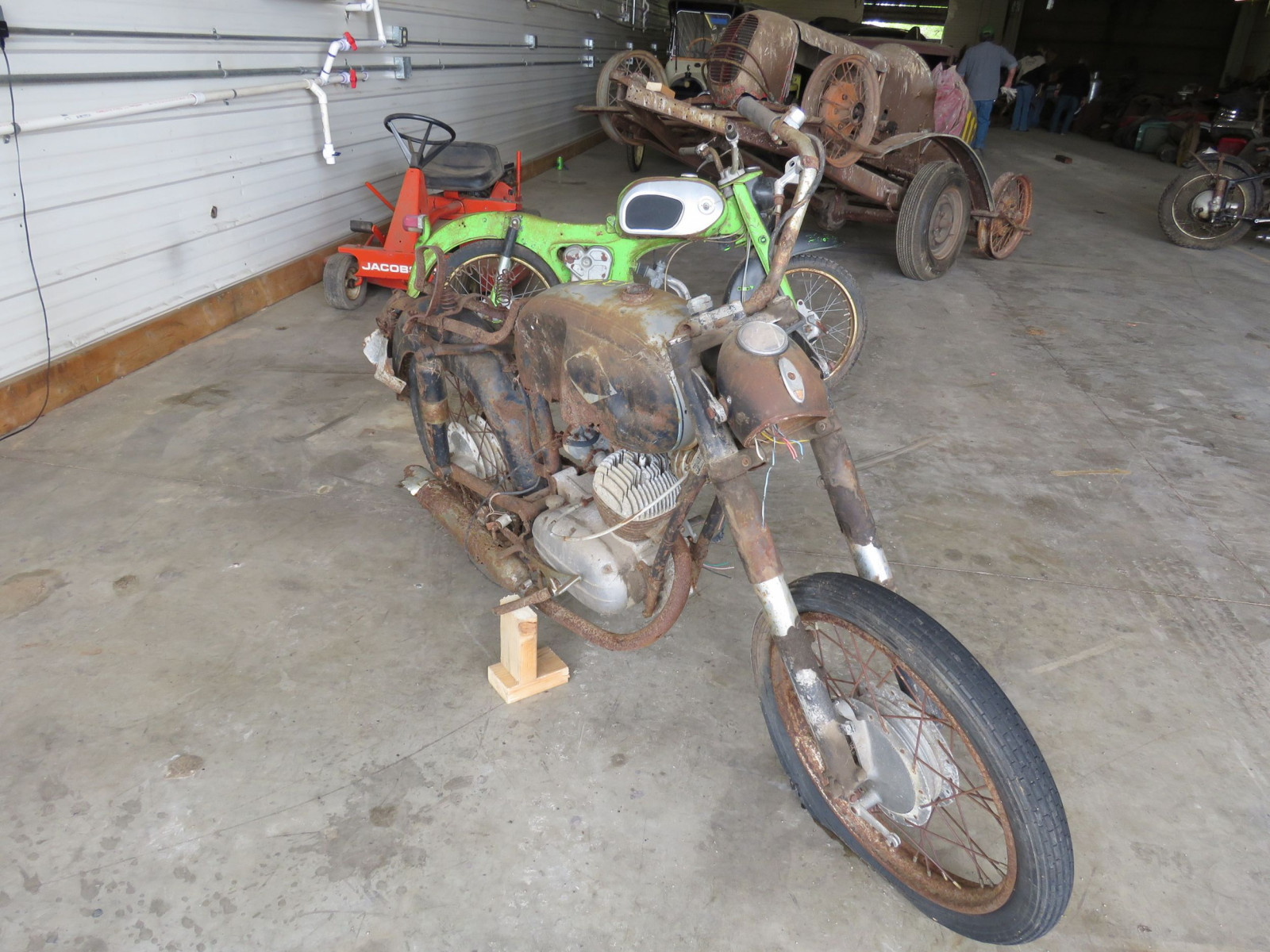 Honda Dream Project or Parts - Image 1