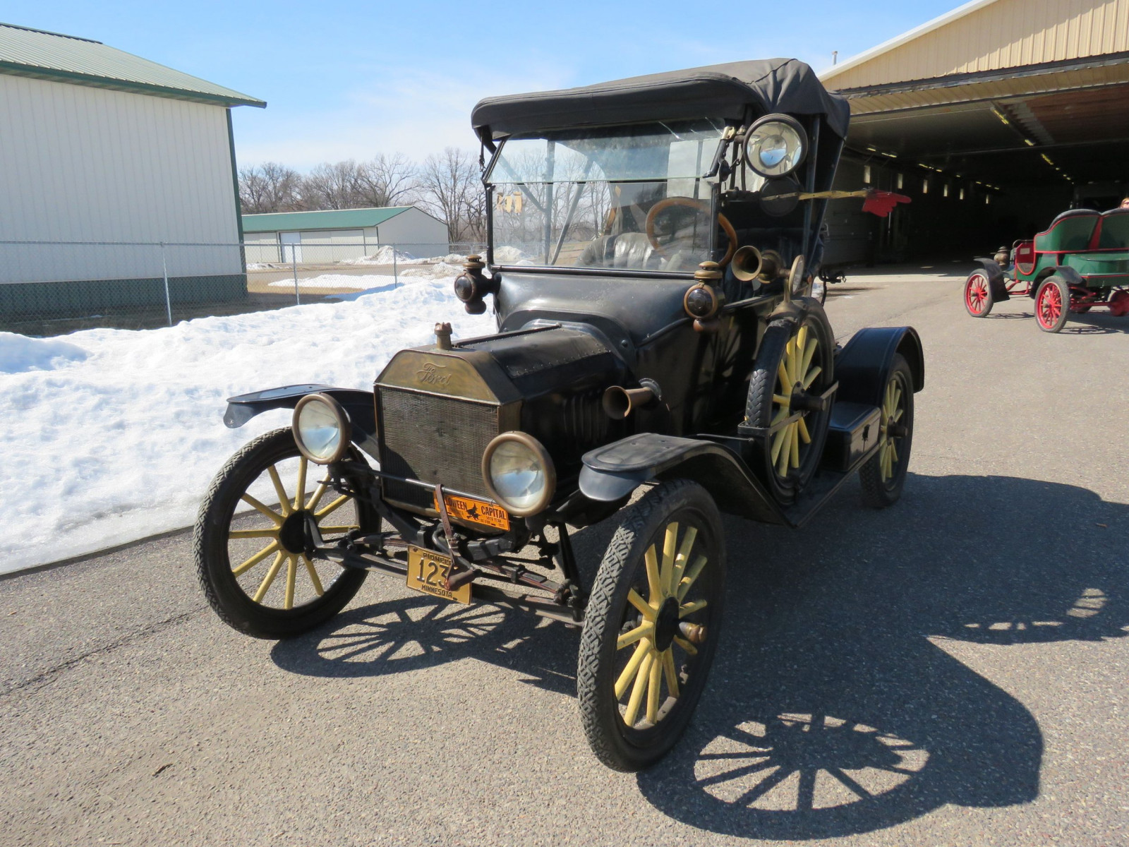 1915 Ford Model T - Image 1