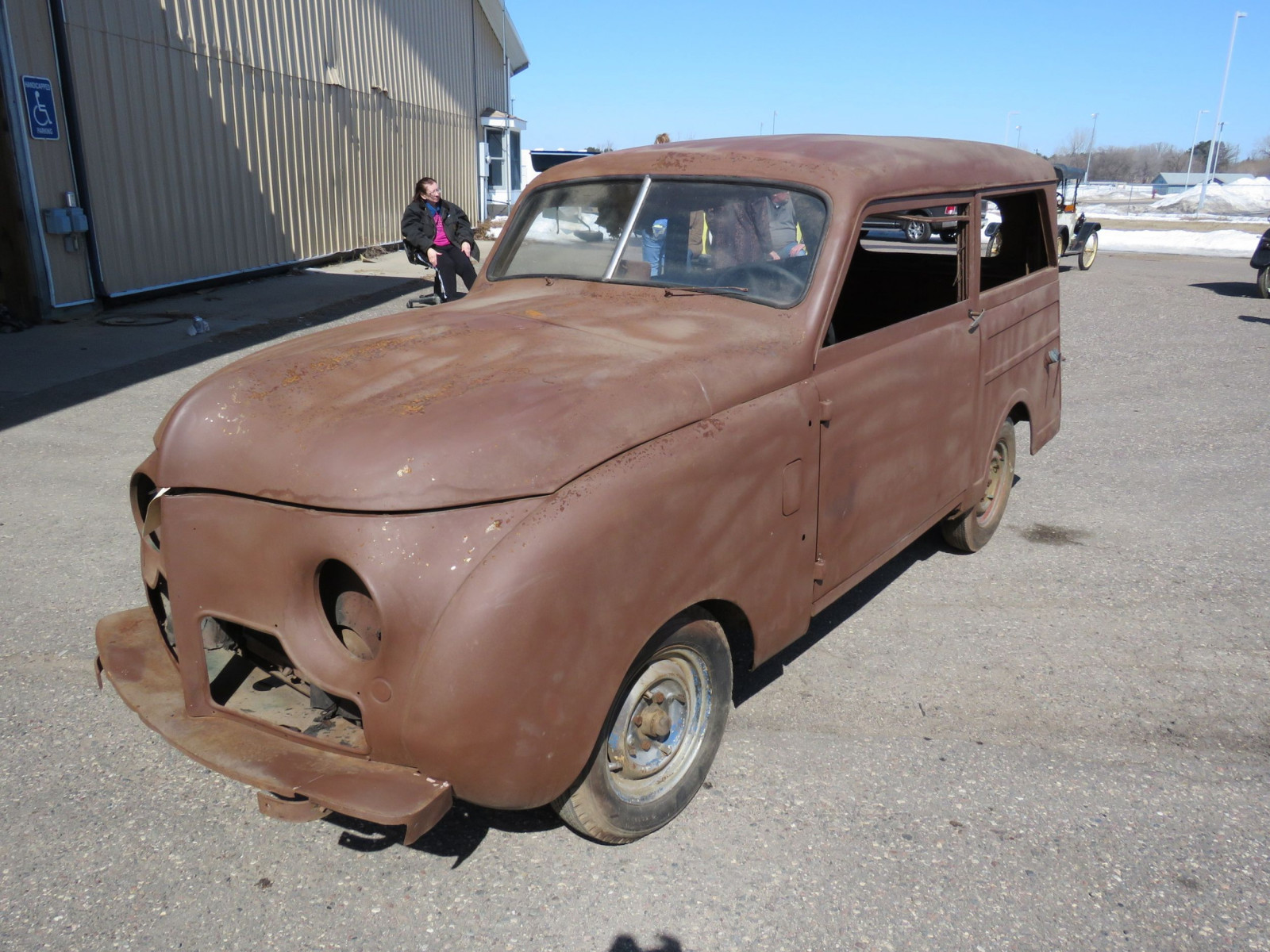 1949 Crosley Station Wagon - Image 3