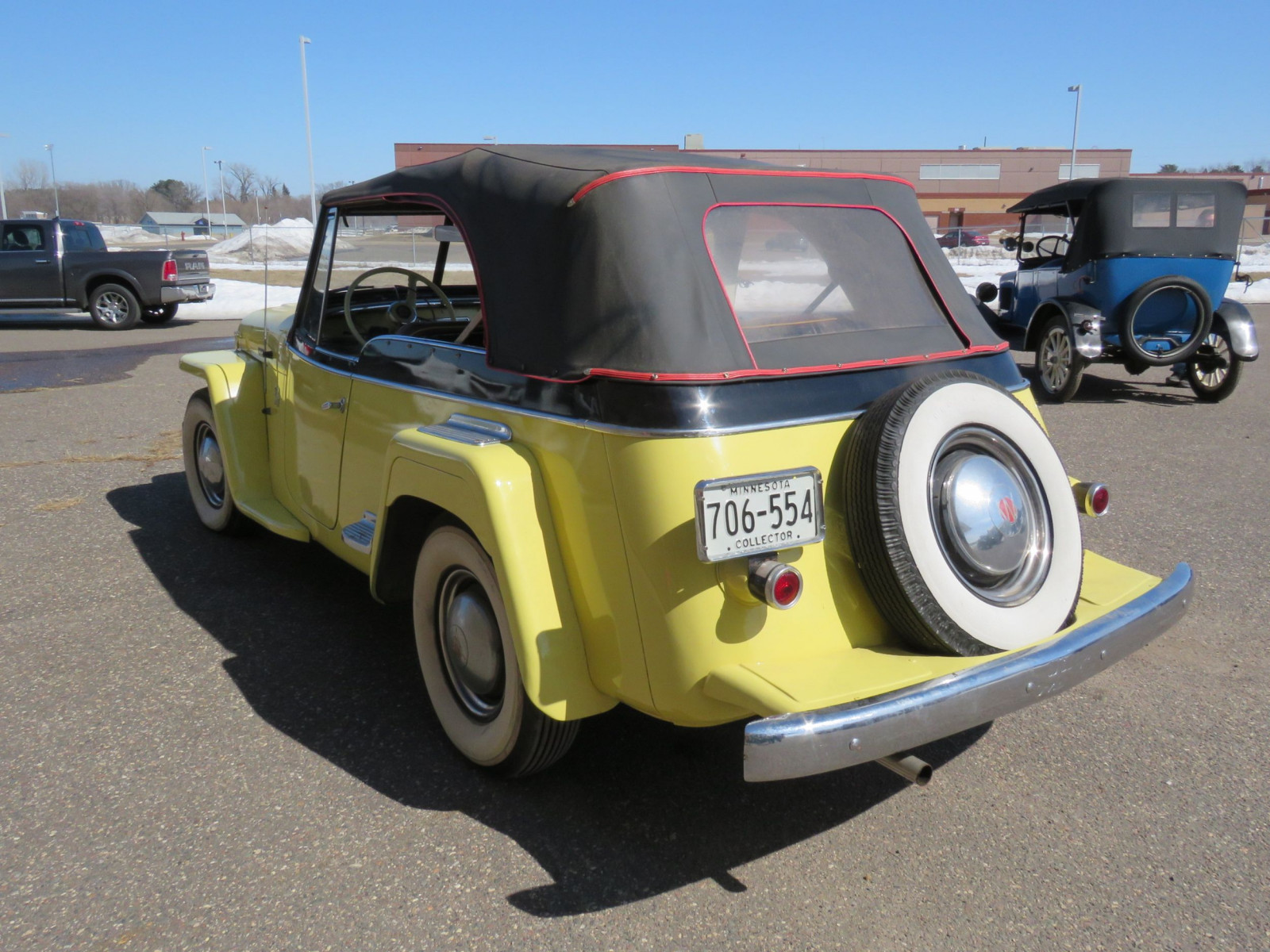 1948 Willys Jeepster - Image 4