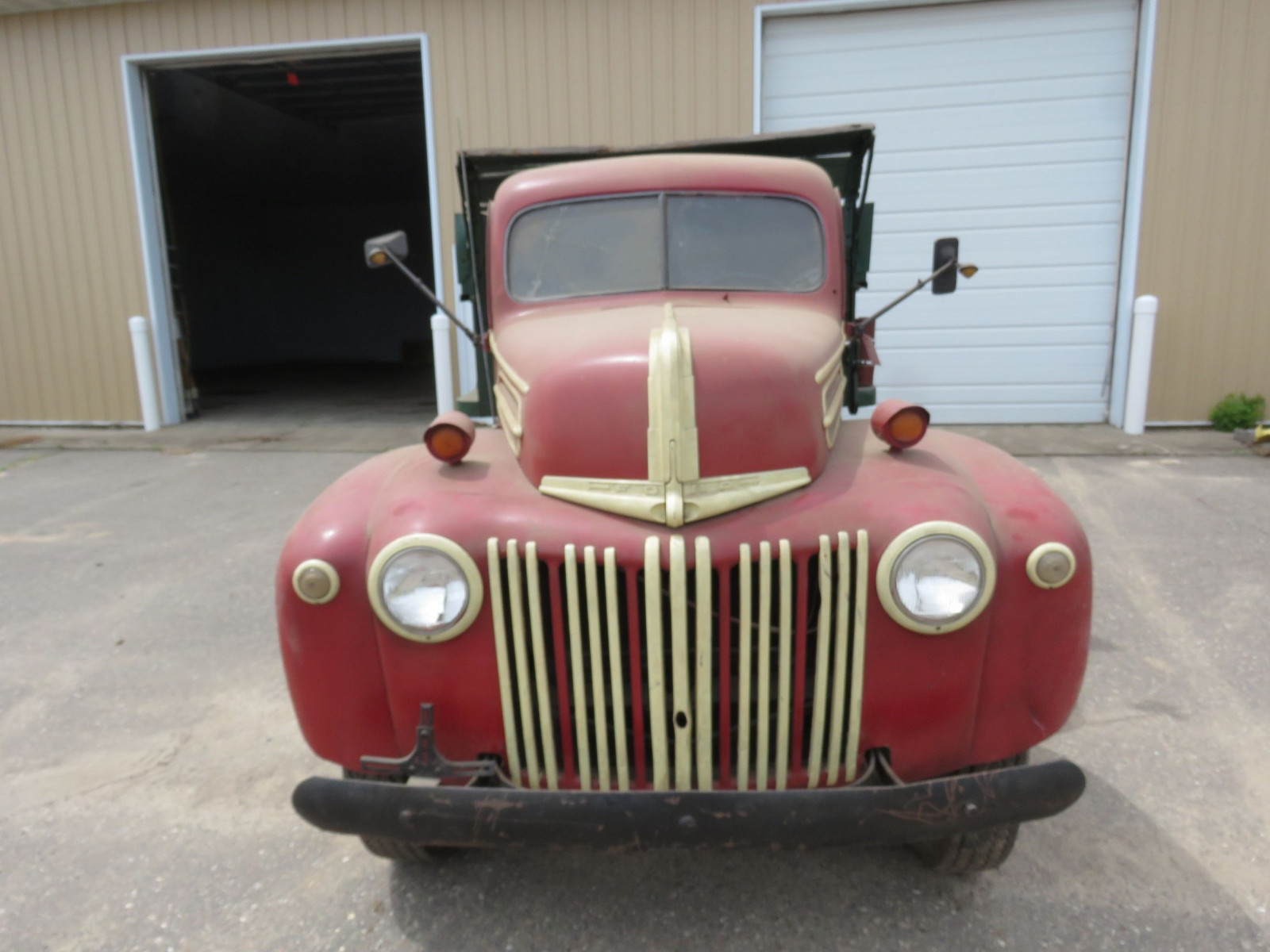 1946-8 Ford F3 Truck - Image 2