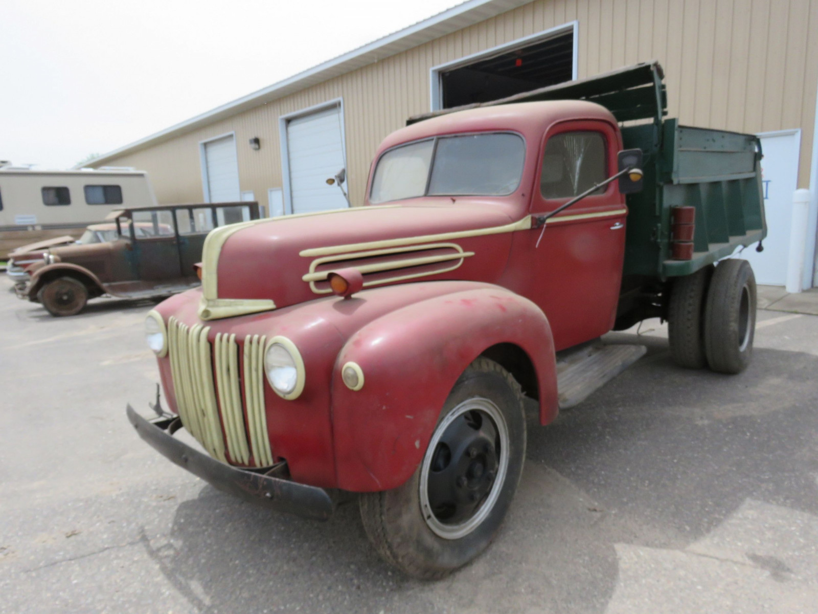 1946-8 Ford F3 Truck - Image 3