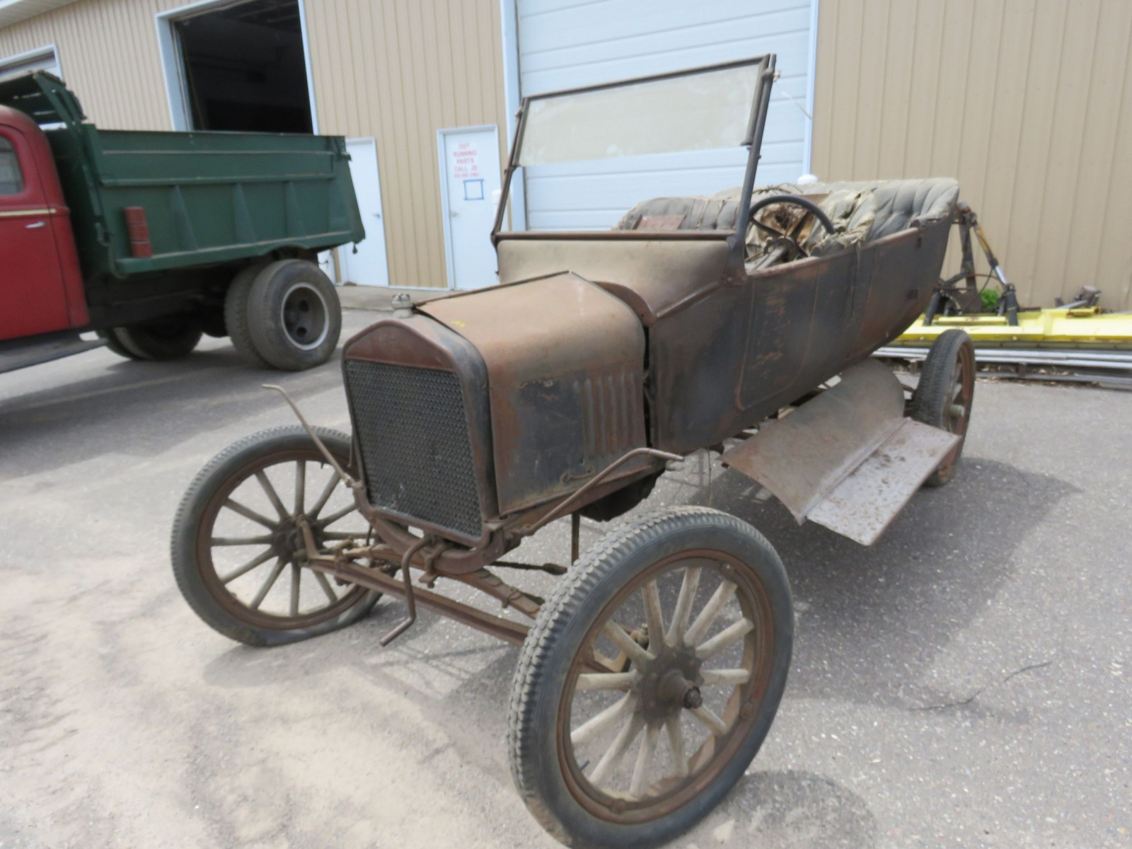 1923-25 Ford Model T Touring Project - Image 1
